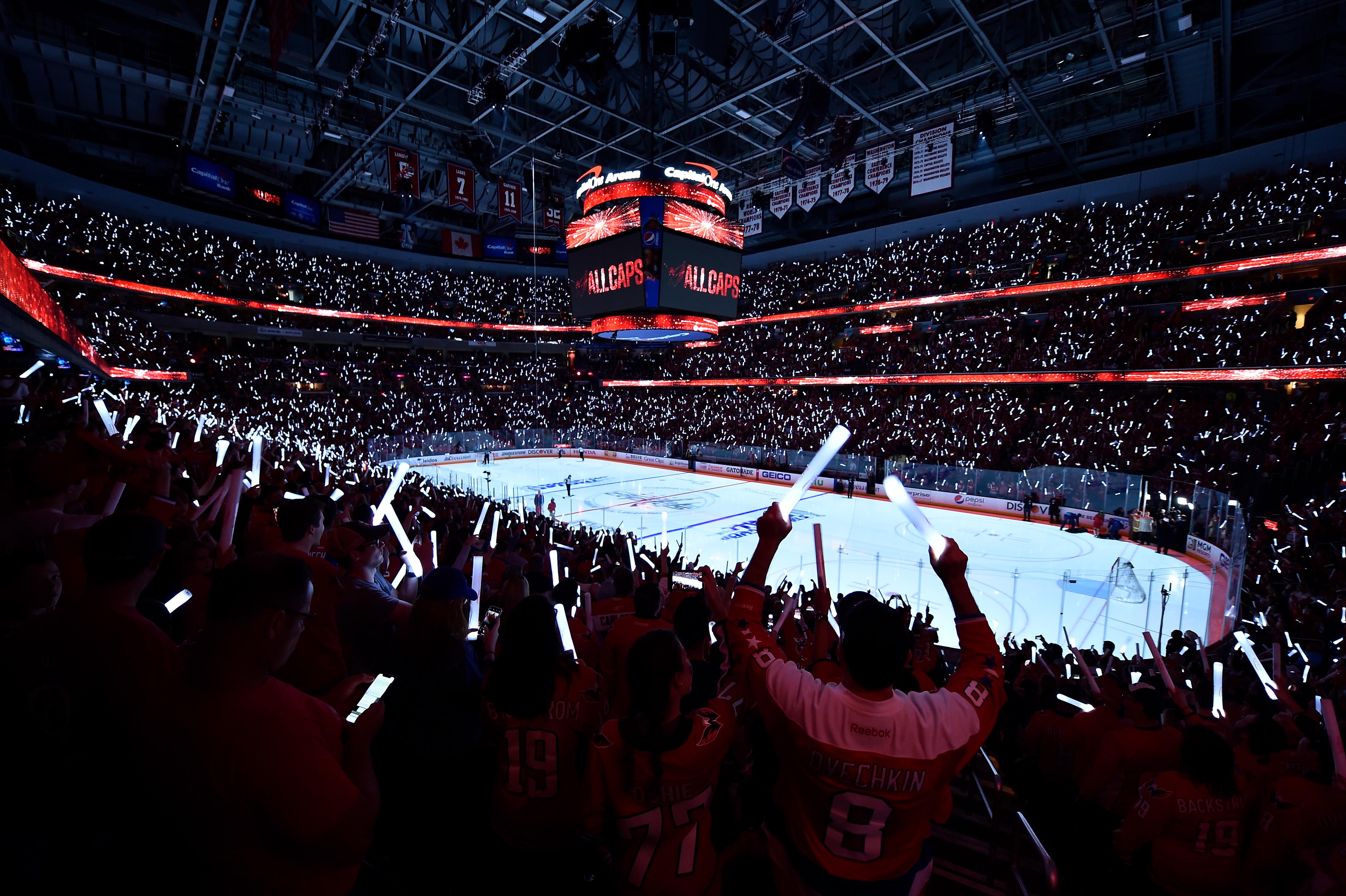 2018年6月4日,2018年NHL斯坦利杯季后赛,华盛顿首都队和拉斯维加斯金骑士队在斯坦利杯决赛第四场前的赛场全景。