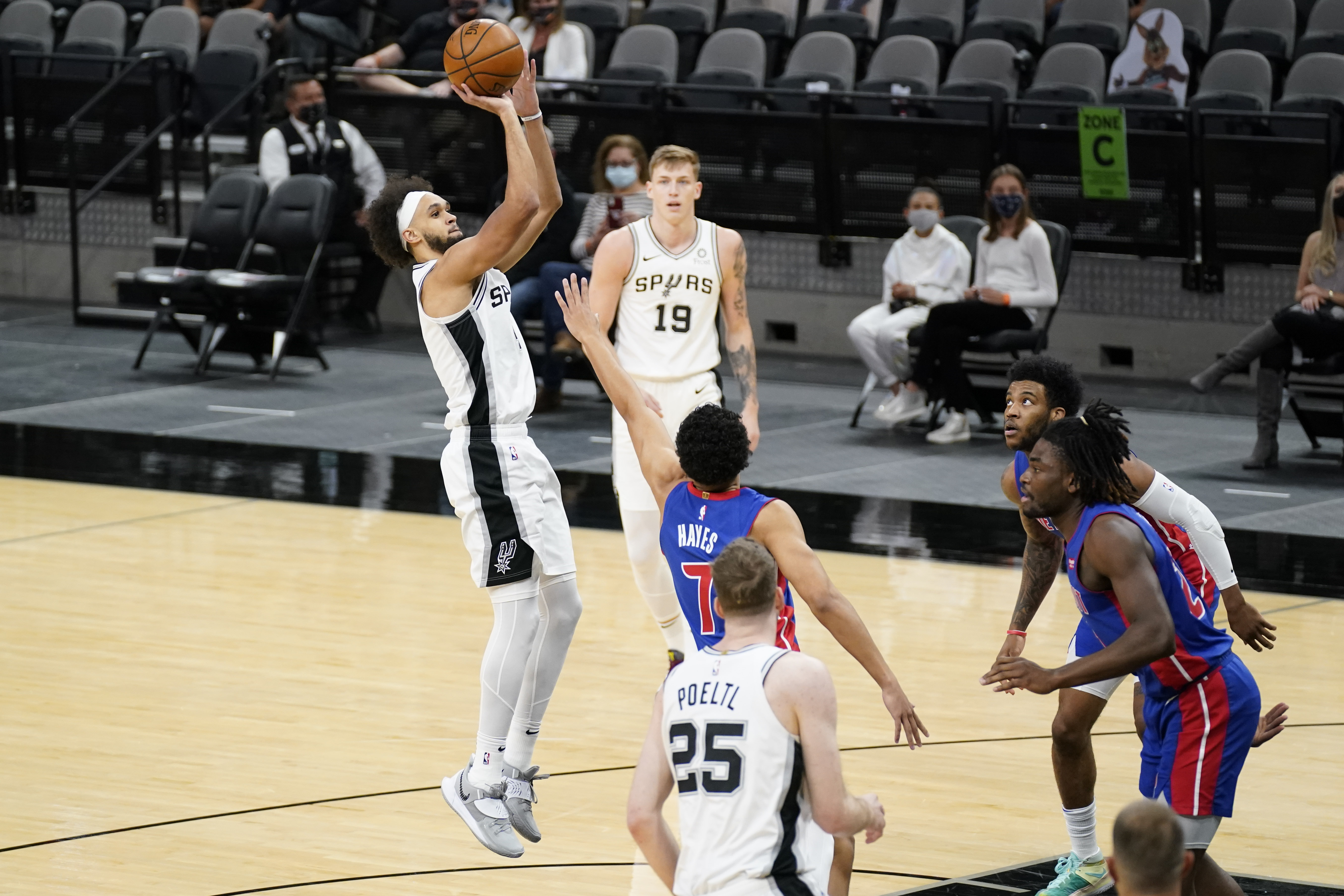 NBA: Detroit Pistons at San Antonio Spurs