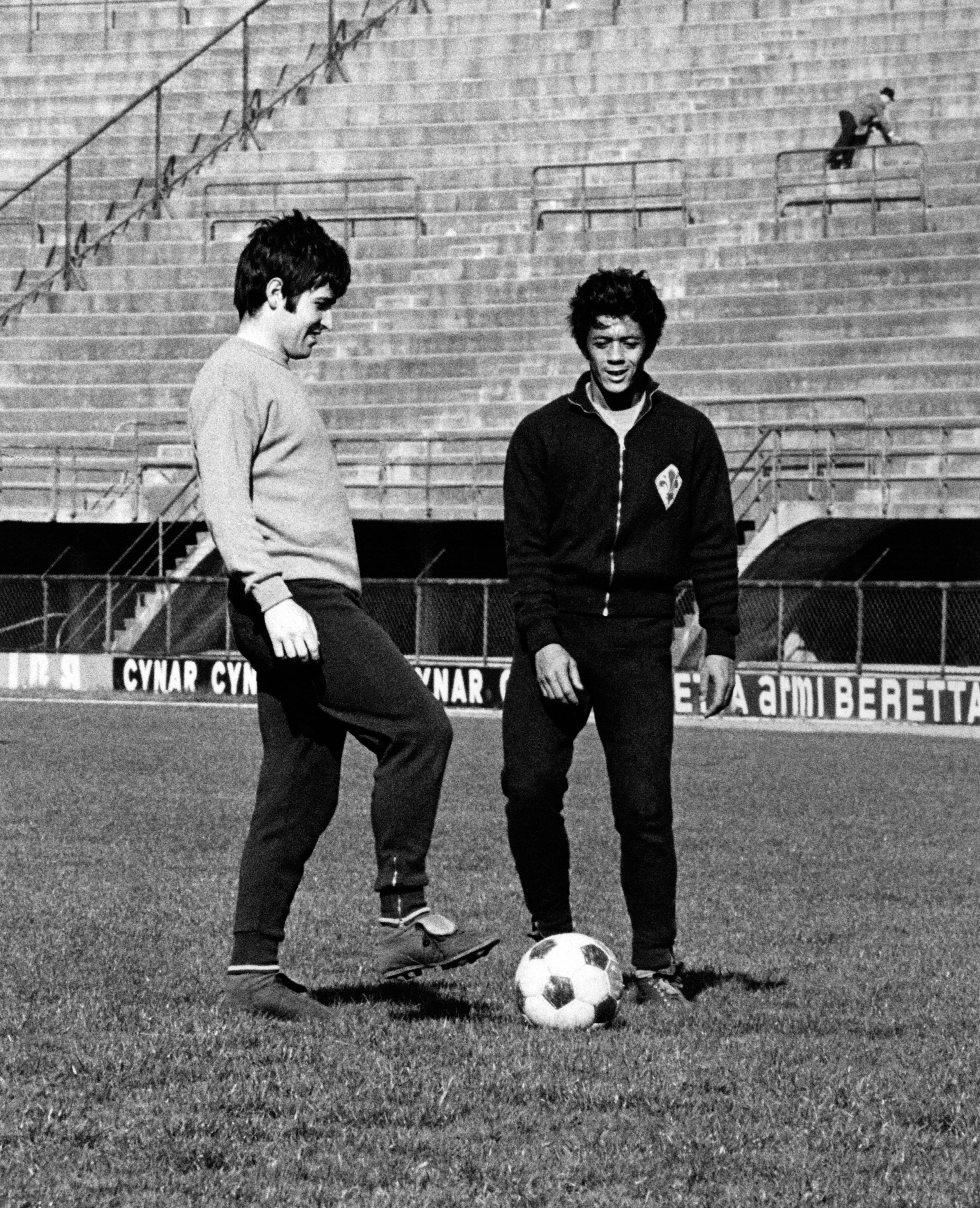 Amarildo and Giancarlo De Sisti training