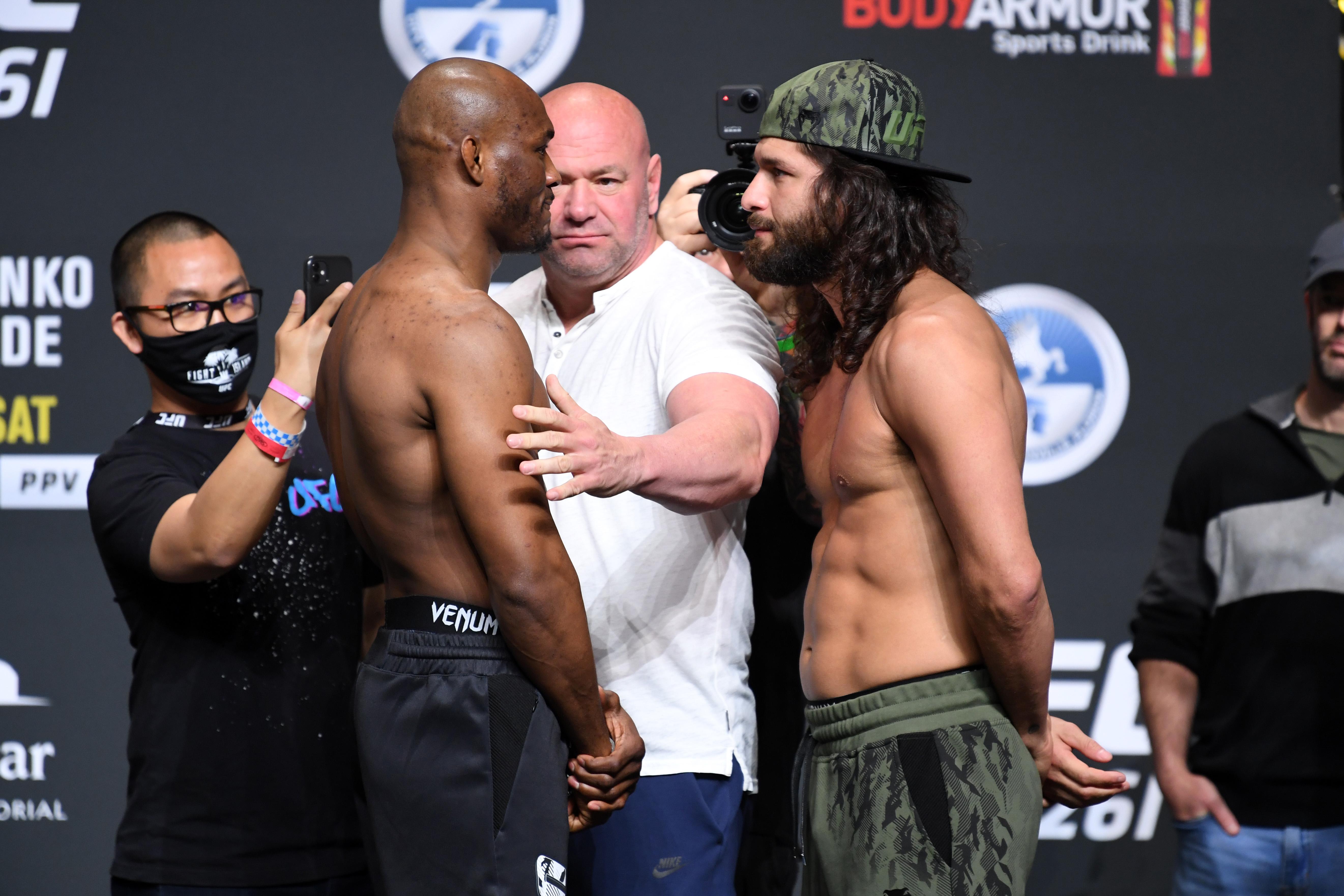 在UFC 261的Kamaru Usman和Jorge Masvidal