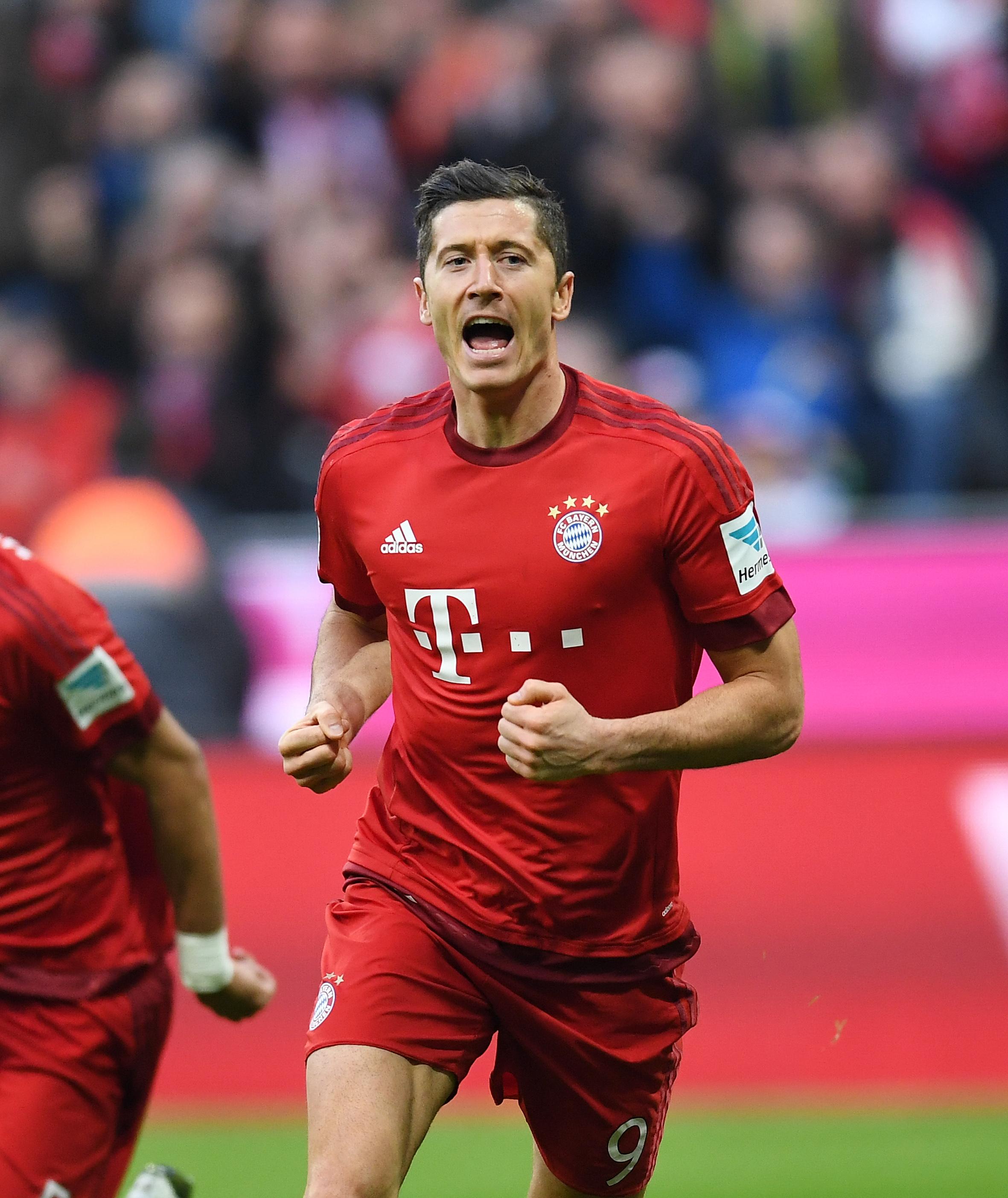 Fussball 1. Bundesliga Saison 15/16: FC Bayern Muenchen - FC Schalke 04