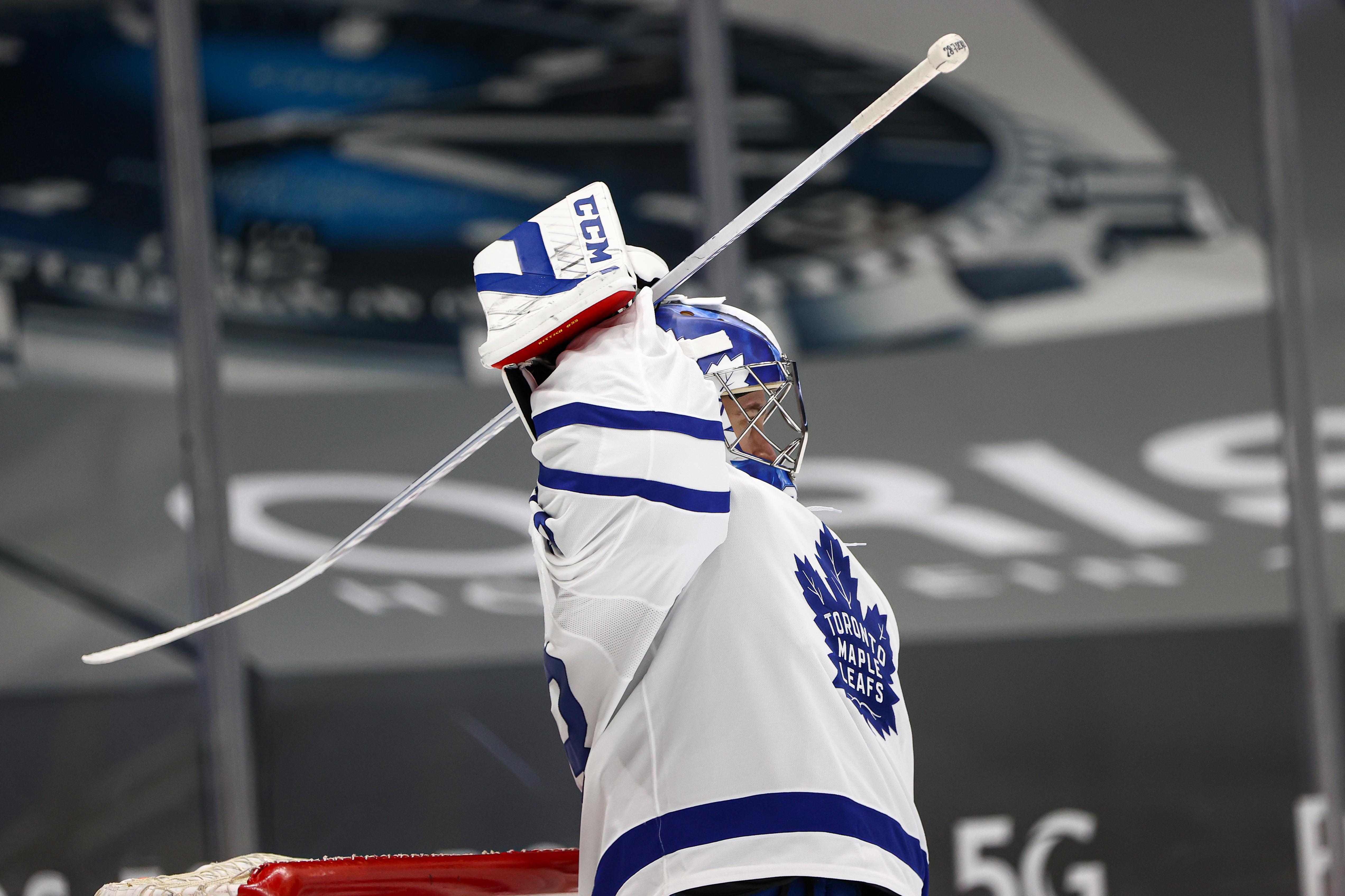 NHL: APR 20 Maple Leafs at Canucks