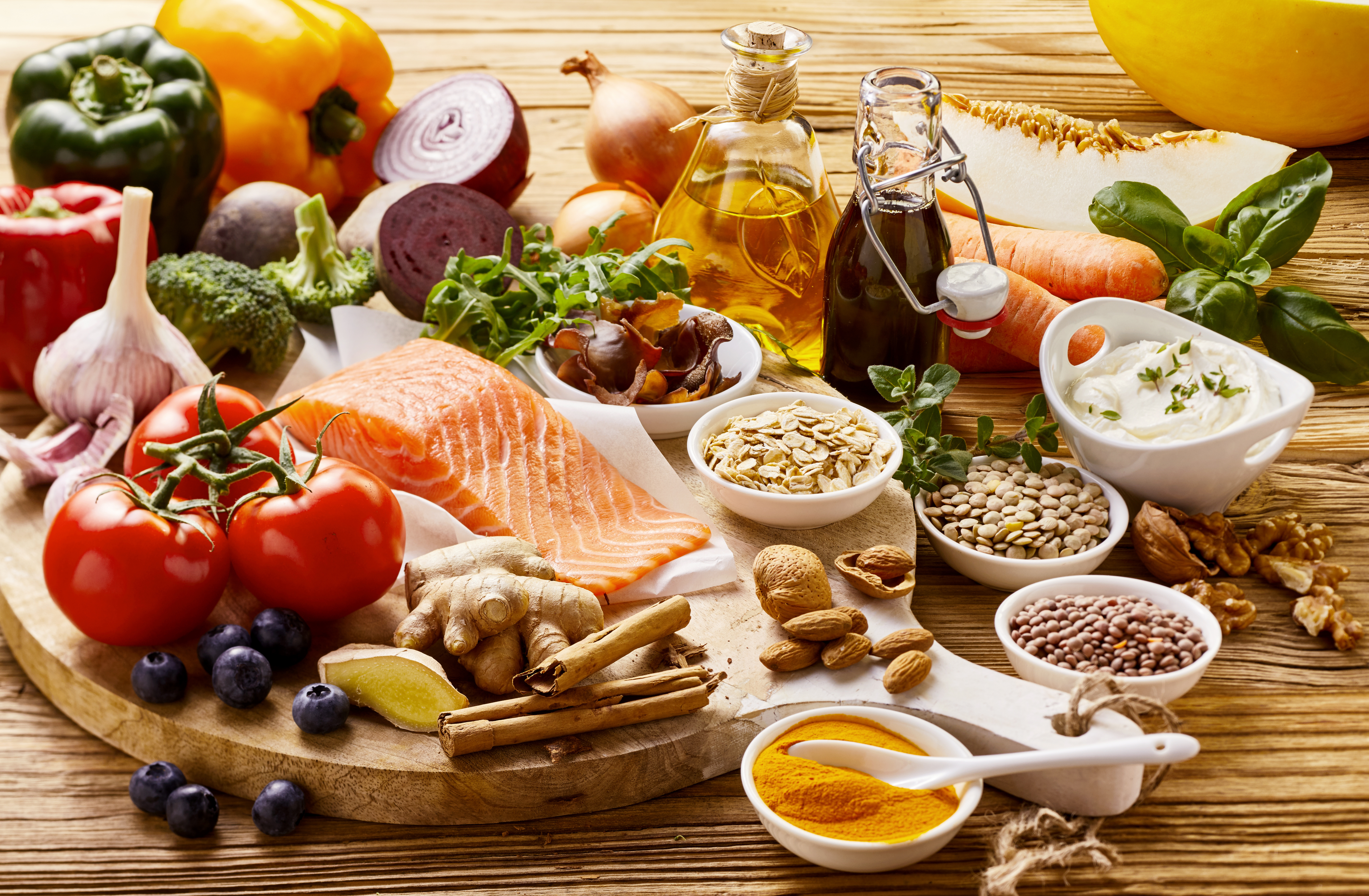The Mediterranean diet, with its focus on seafood and olive oil as well as a wide range of fresh vegetables, fruit and leafy greens, might help improve psoriasis symptoms.