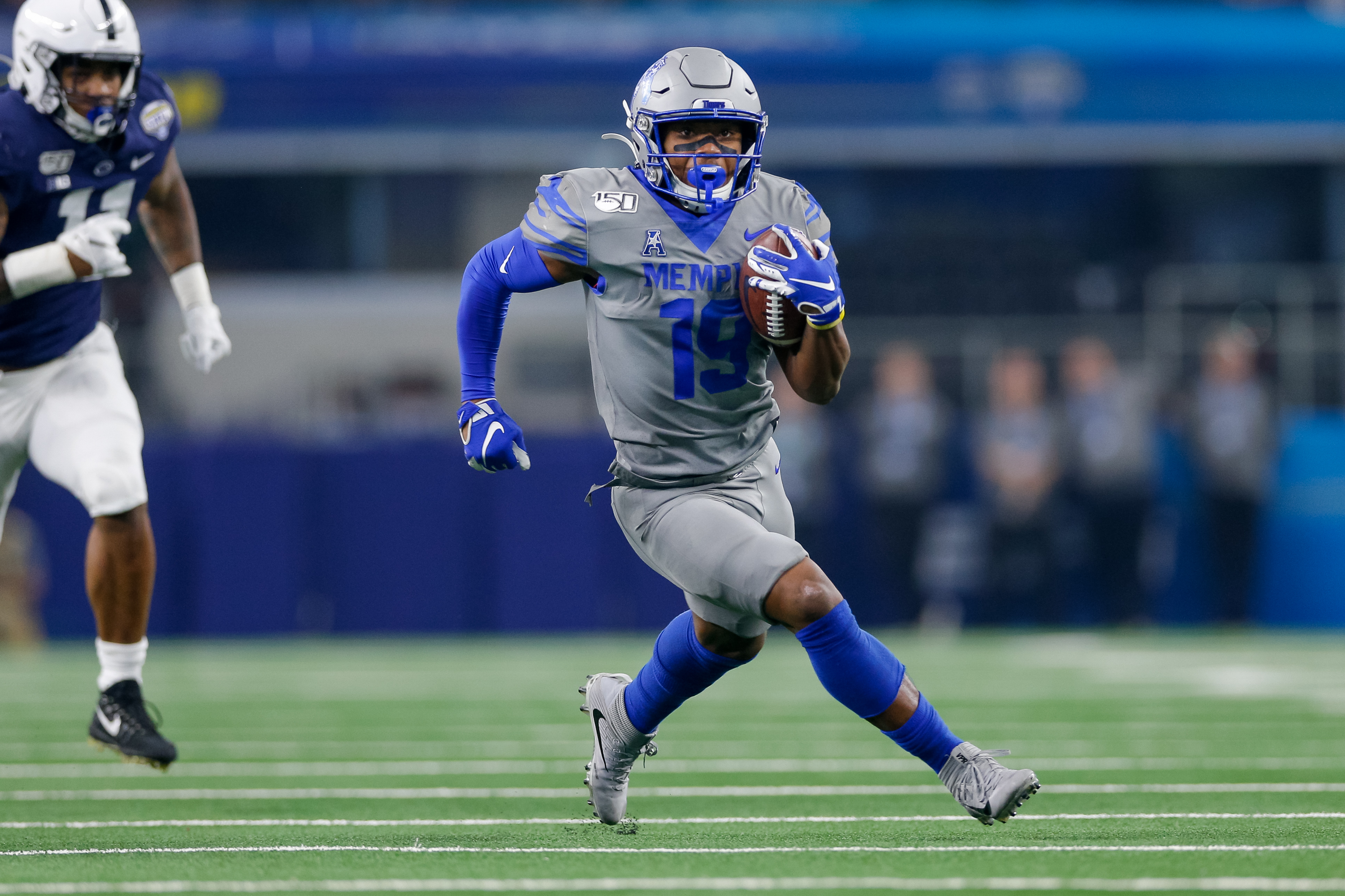Memphis Tigers running back Kenneth Gainwell (19) rushes during the Cotton Bowl Classic between the Memphis Tigers and Penn State Nittany Lions on December 28, 2019 at AT&T Stadium in Arlington, TX.