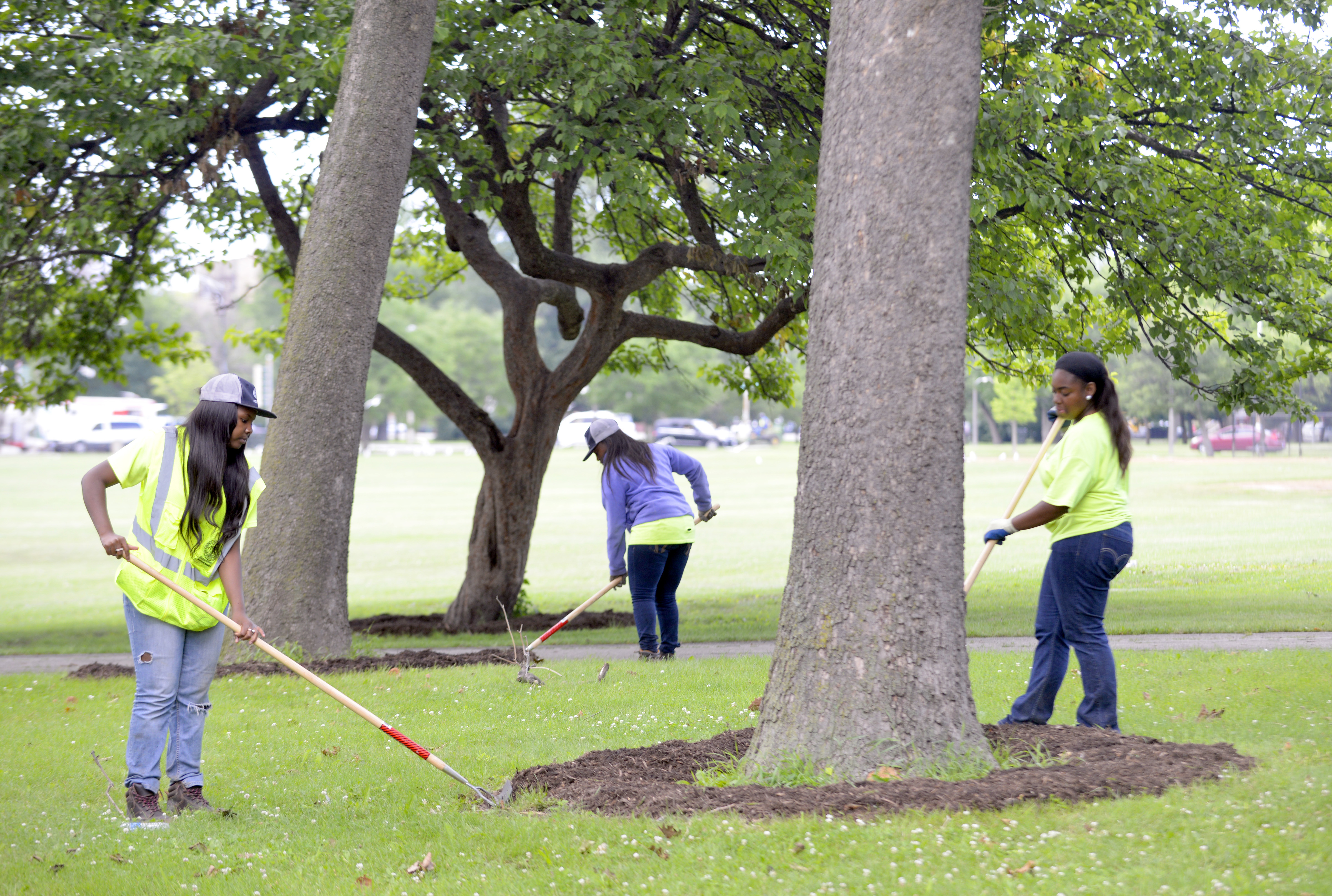 Many Chicago Park District summer jobs are going unfilled because not enough people have applied, city officials say.