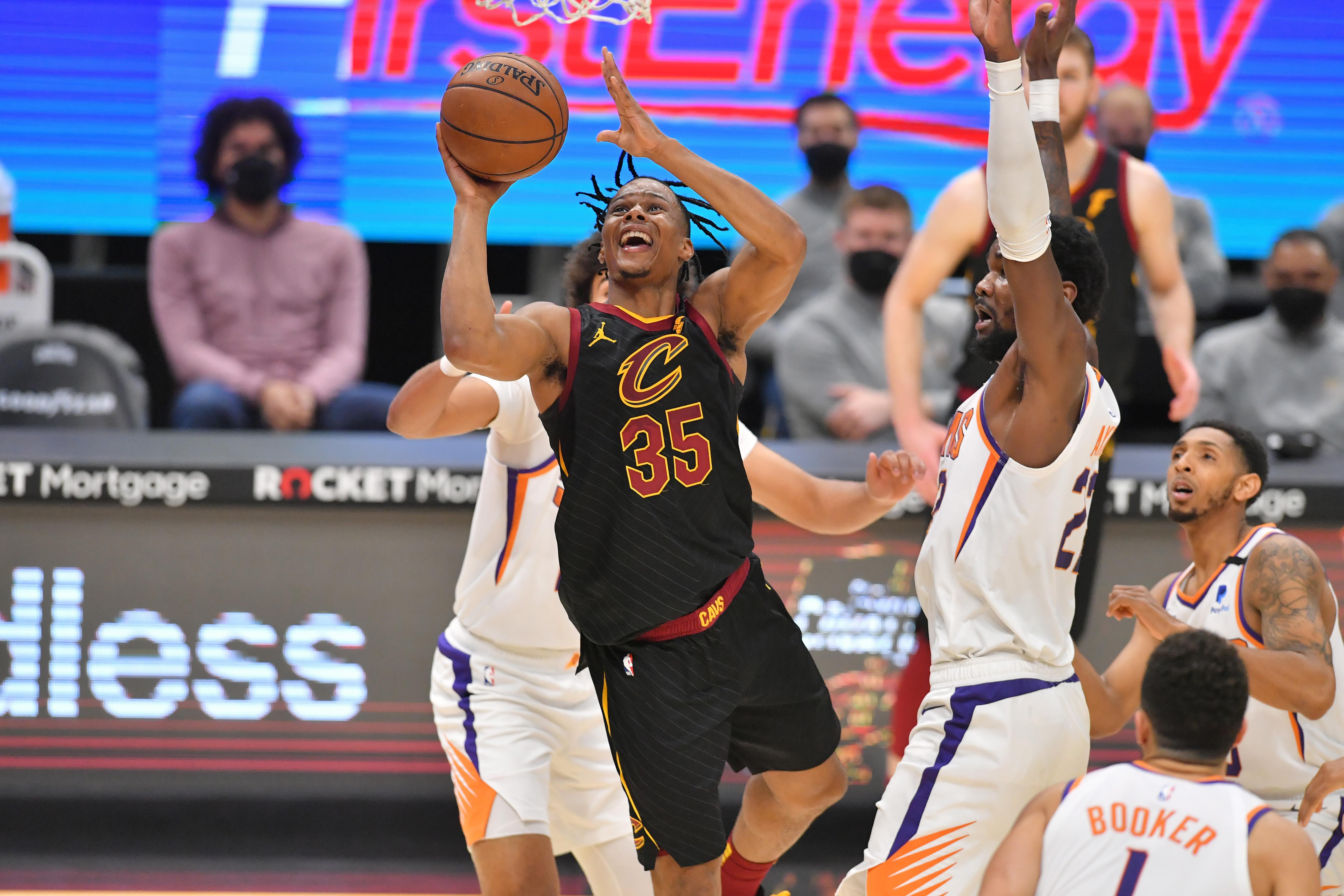 Phoenix Suns v Cleveland Cavaliers