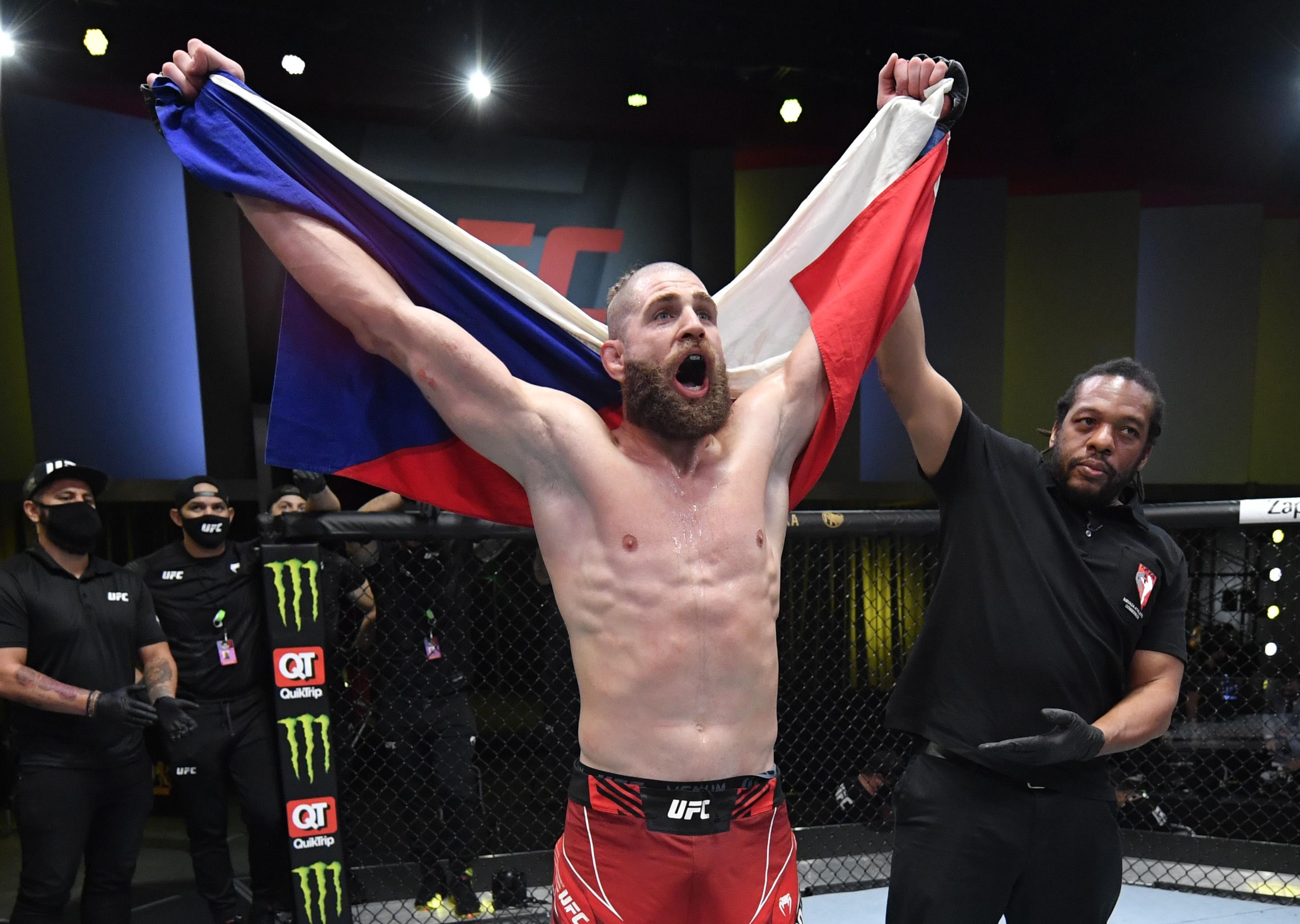 UFC夜晚:Reyes V Prochazka