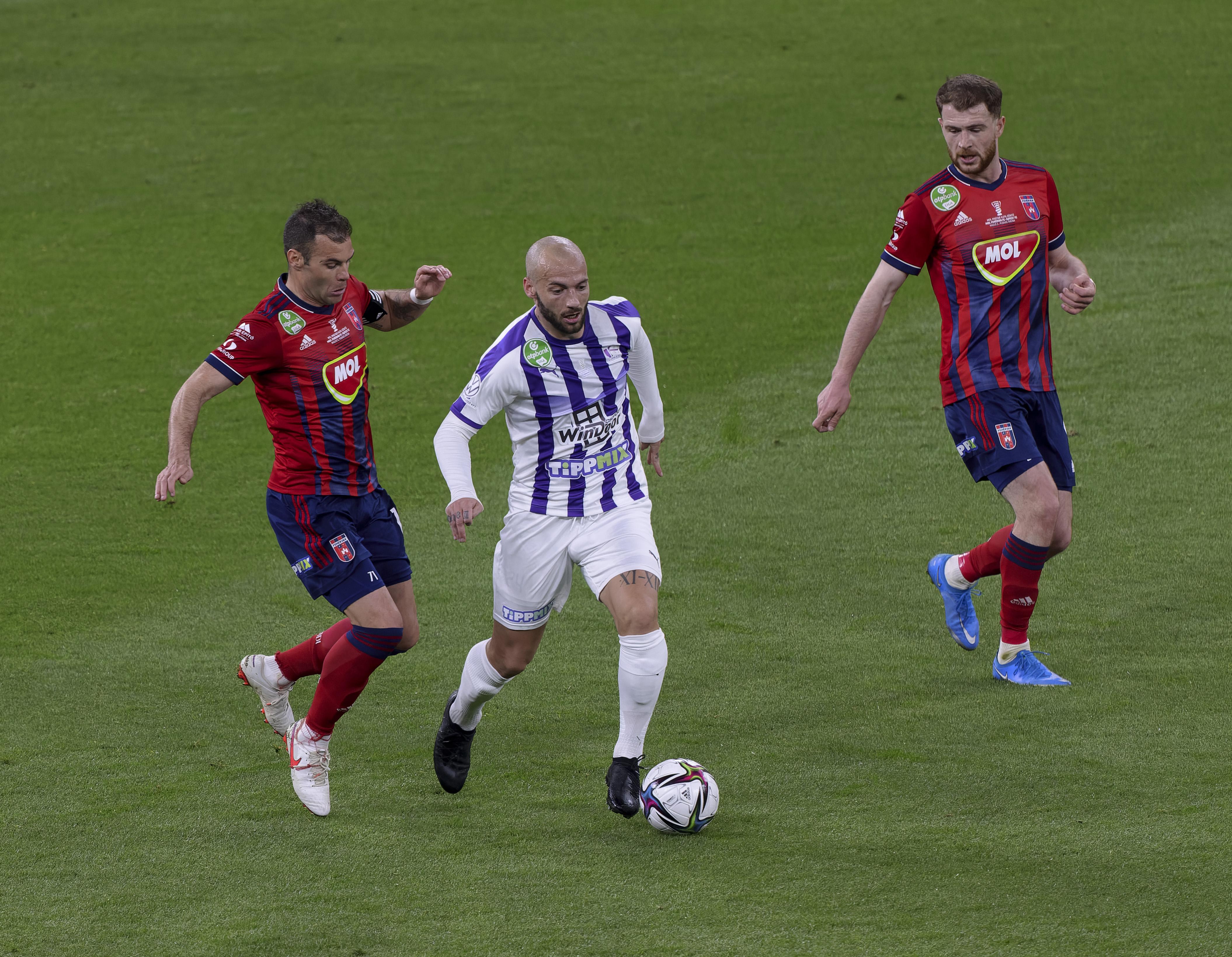 MOL Fehervar FC v Ujpest FC: Hungarian Cup Final
