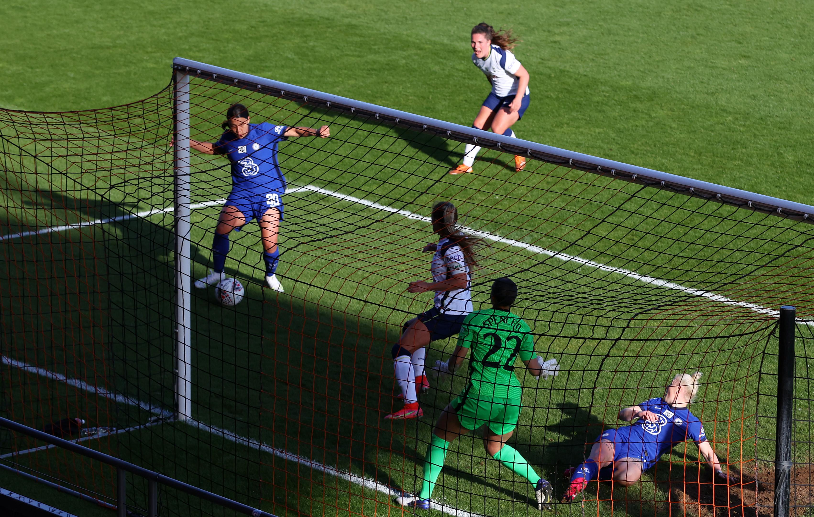 Tottenham Hotspur Women v Chelsea Women - Barclays FA Women's Super League