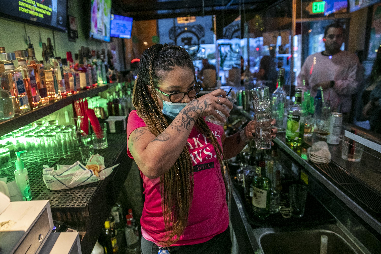 Newsom closes bars as Covid-19 surges