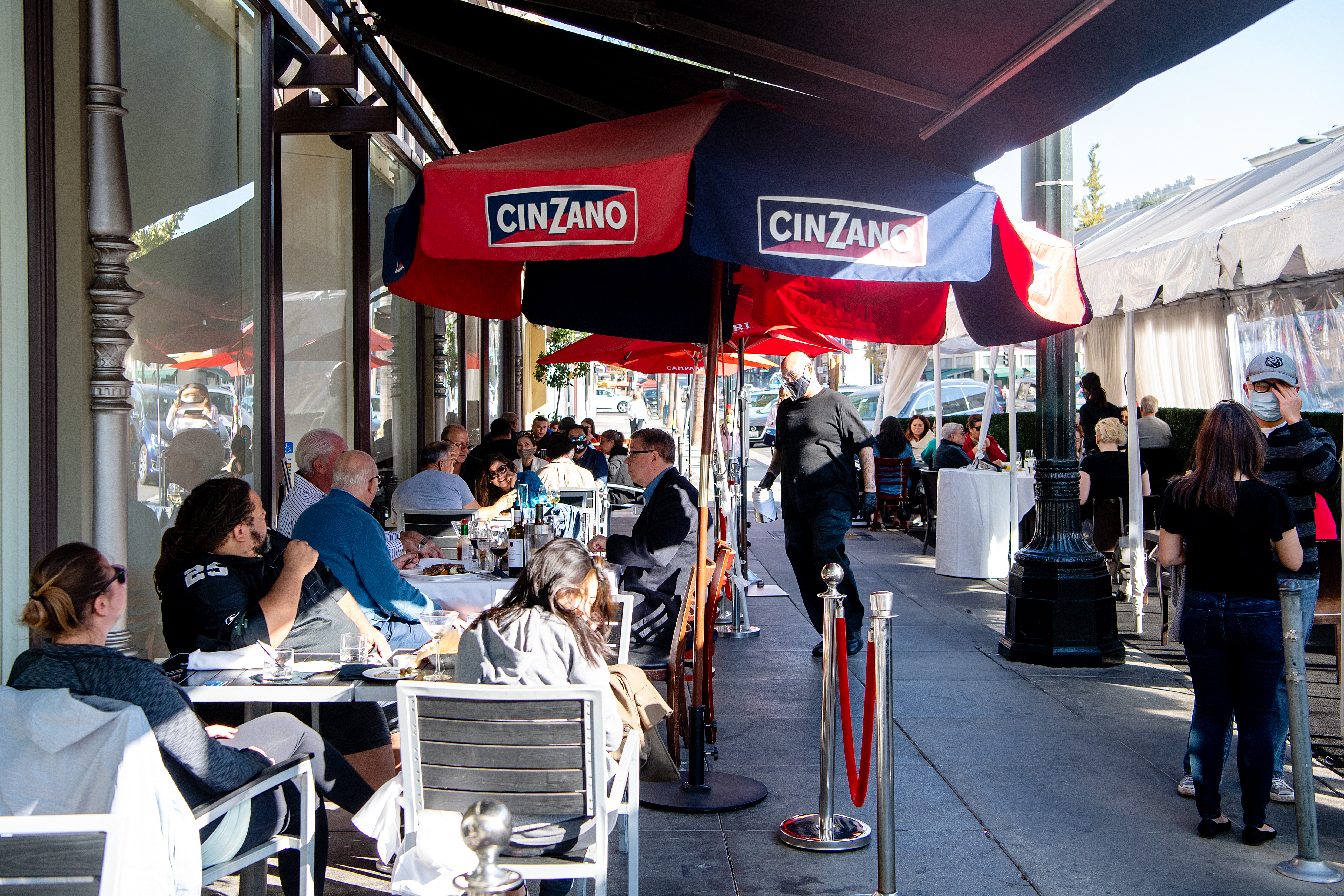 Neighborood restaurant profile of Mi Piace during coronavirus pandemic