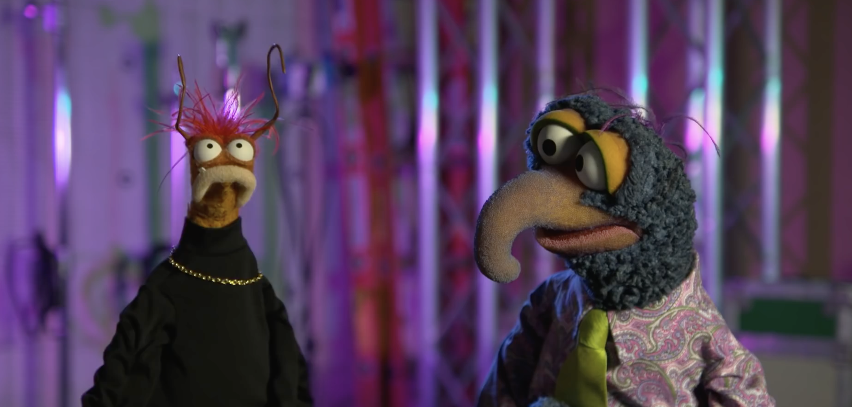 gonzo and pepe the king prawn talking