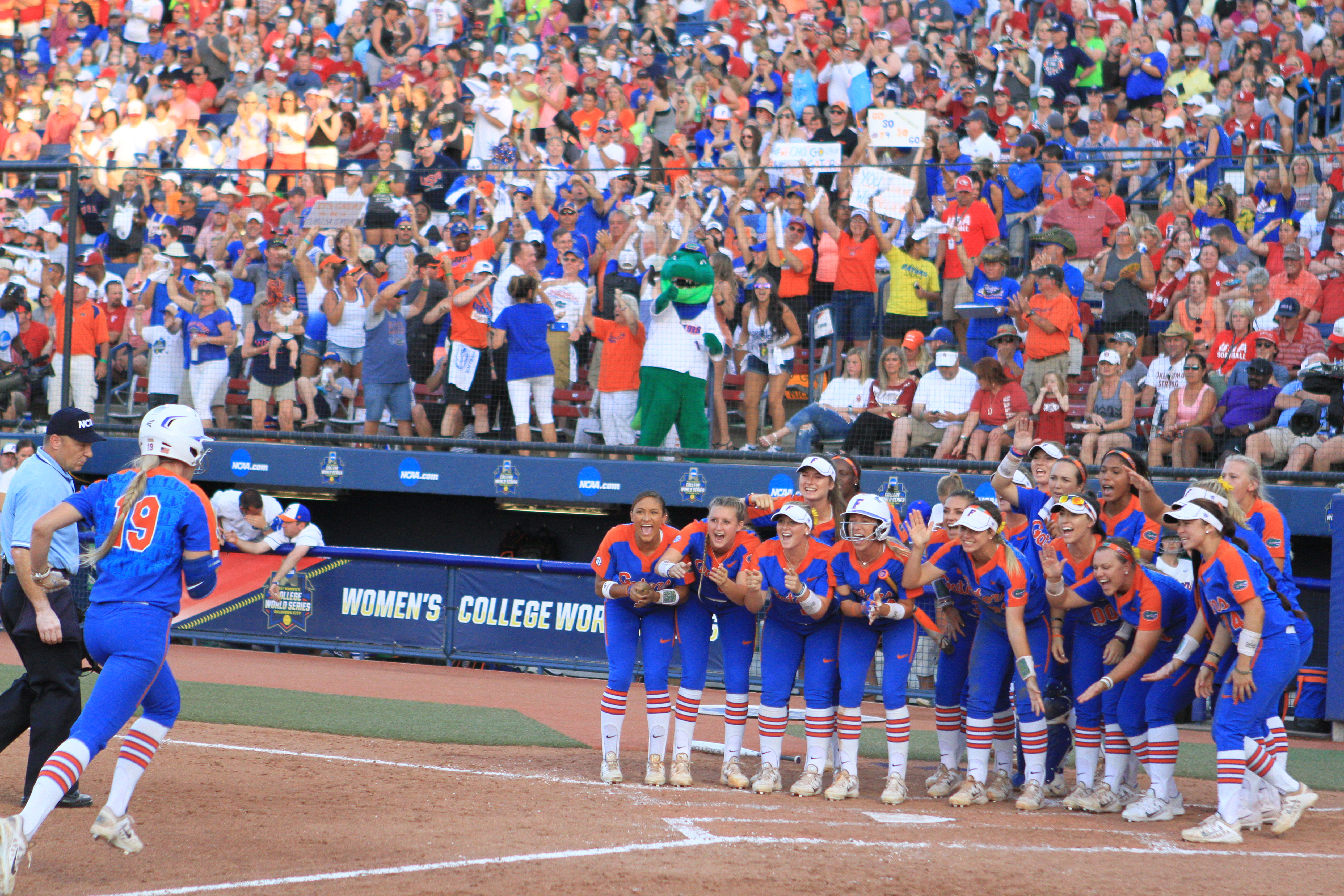 2017 NCAA Division I Women's Softball Championship - Game 2
