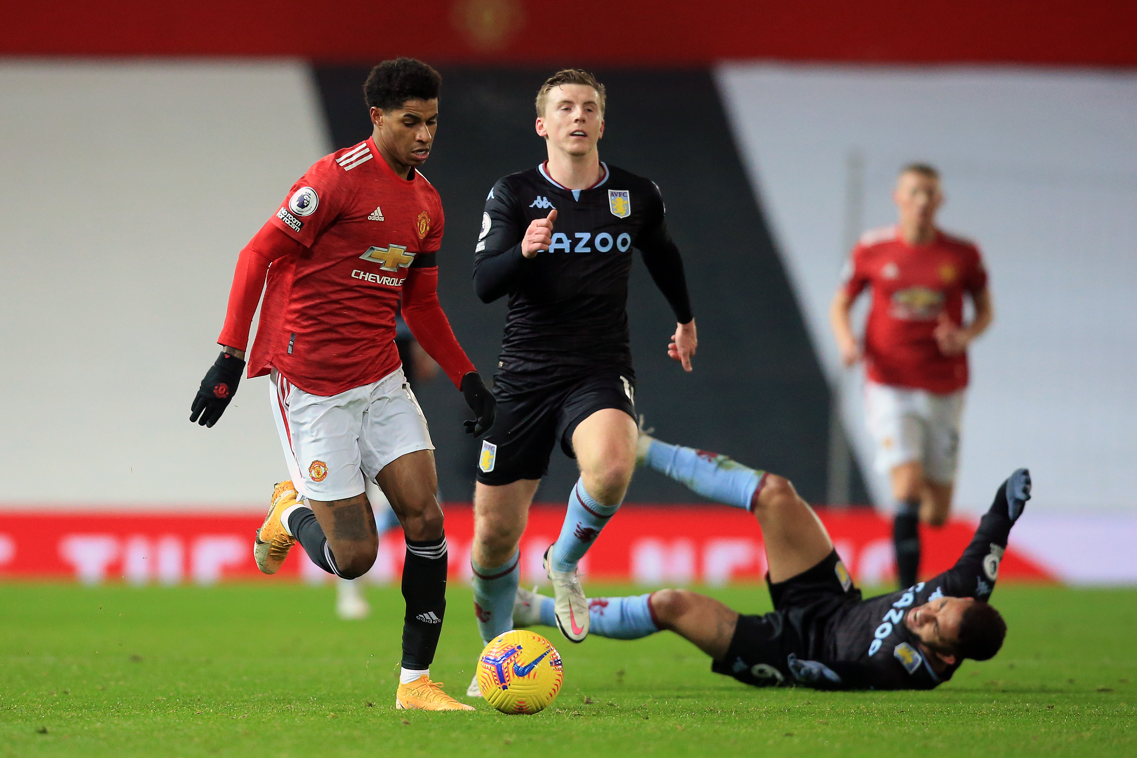 Manchester United v Aston Villa - Premier League