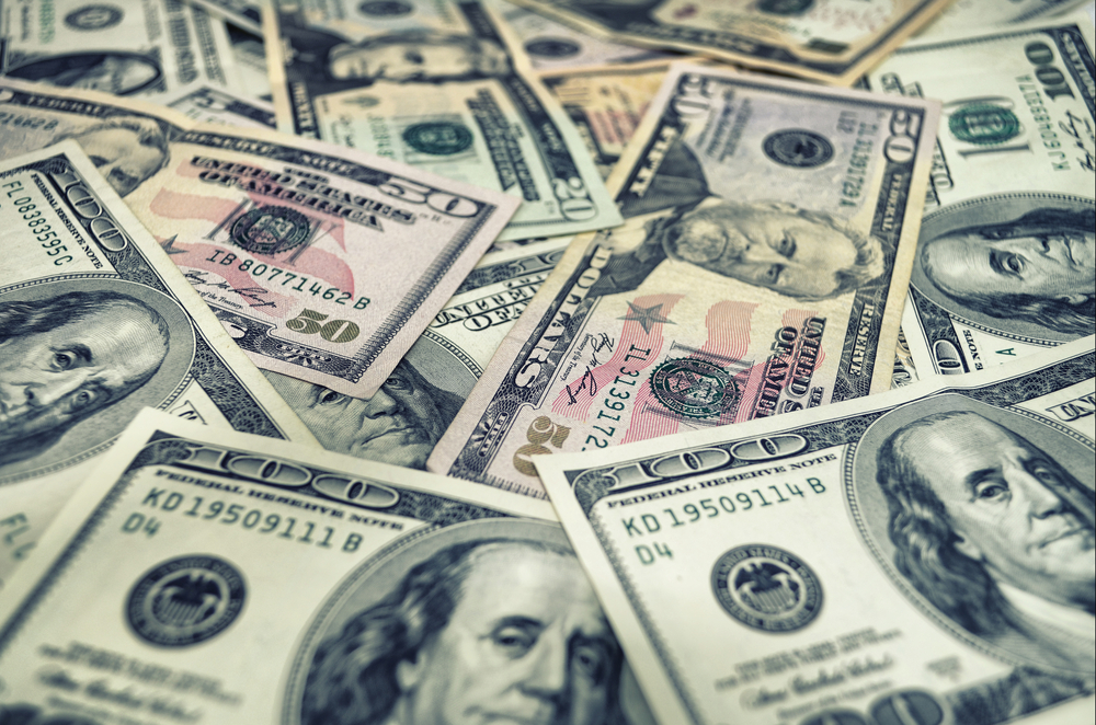 cash pile (SHUTTERSTOCK)