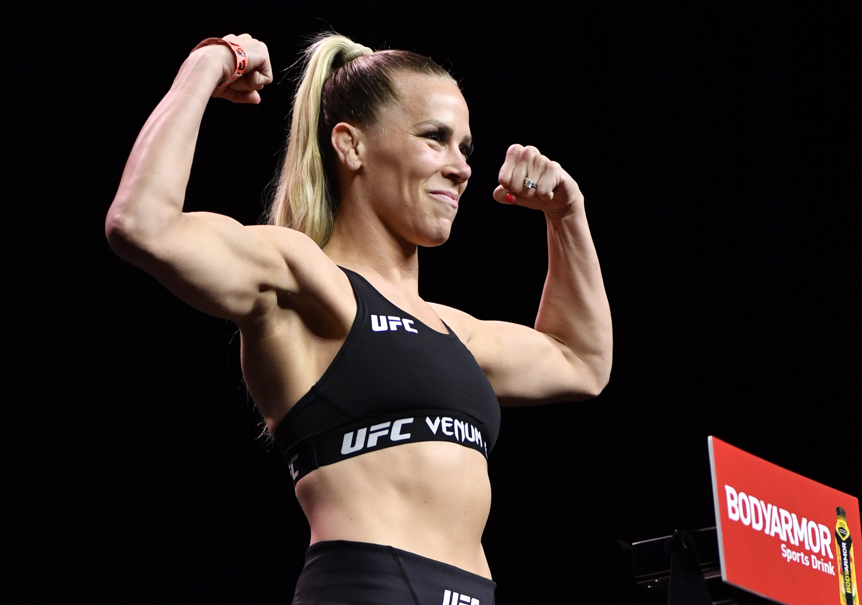 UFC 262 Weigh-in