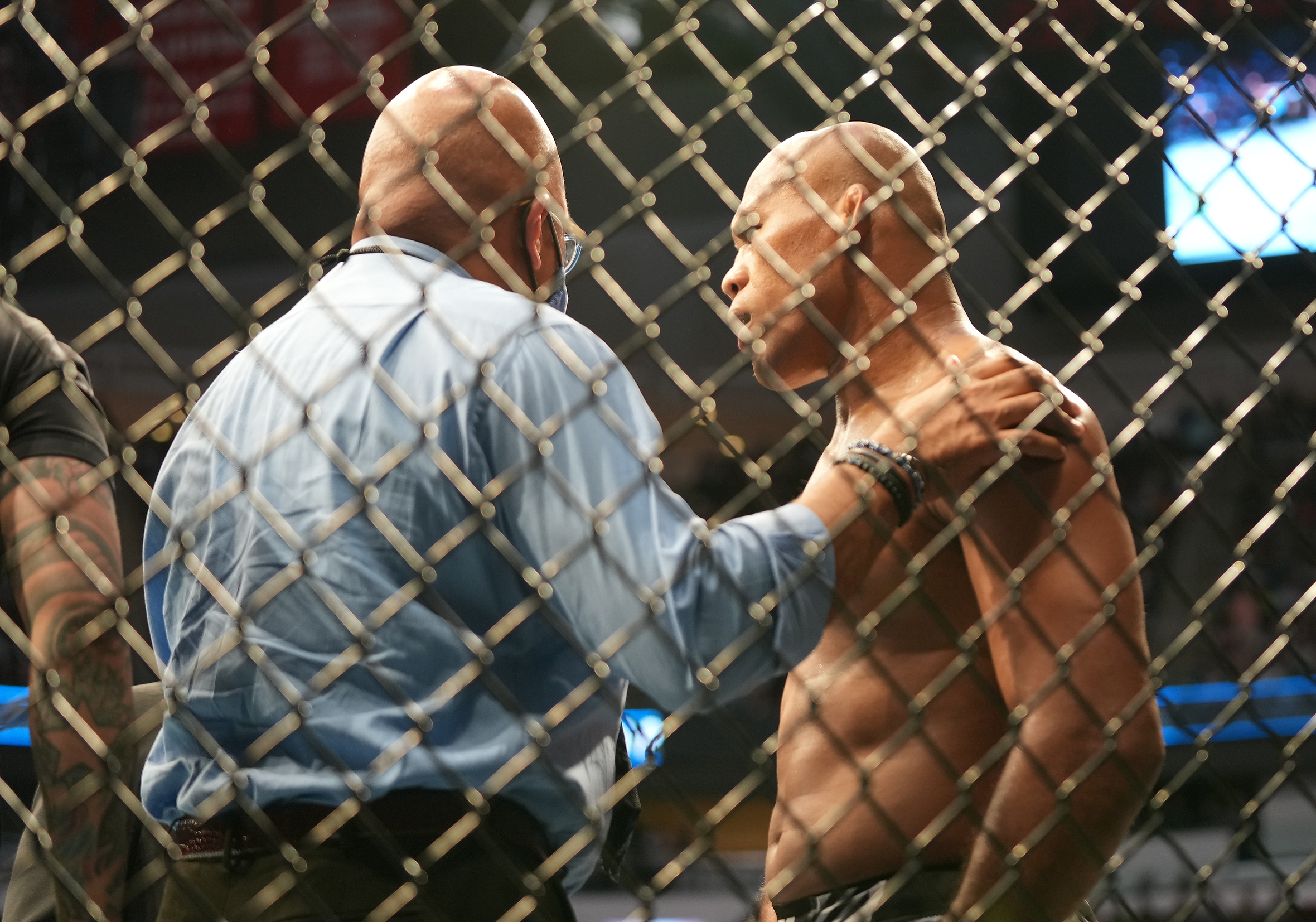 Jacare Souza stands tall after suffering a broken arm versus Andre Muniz at UFC 262 in Houston, Texas.