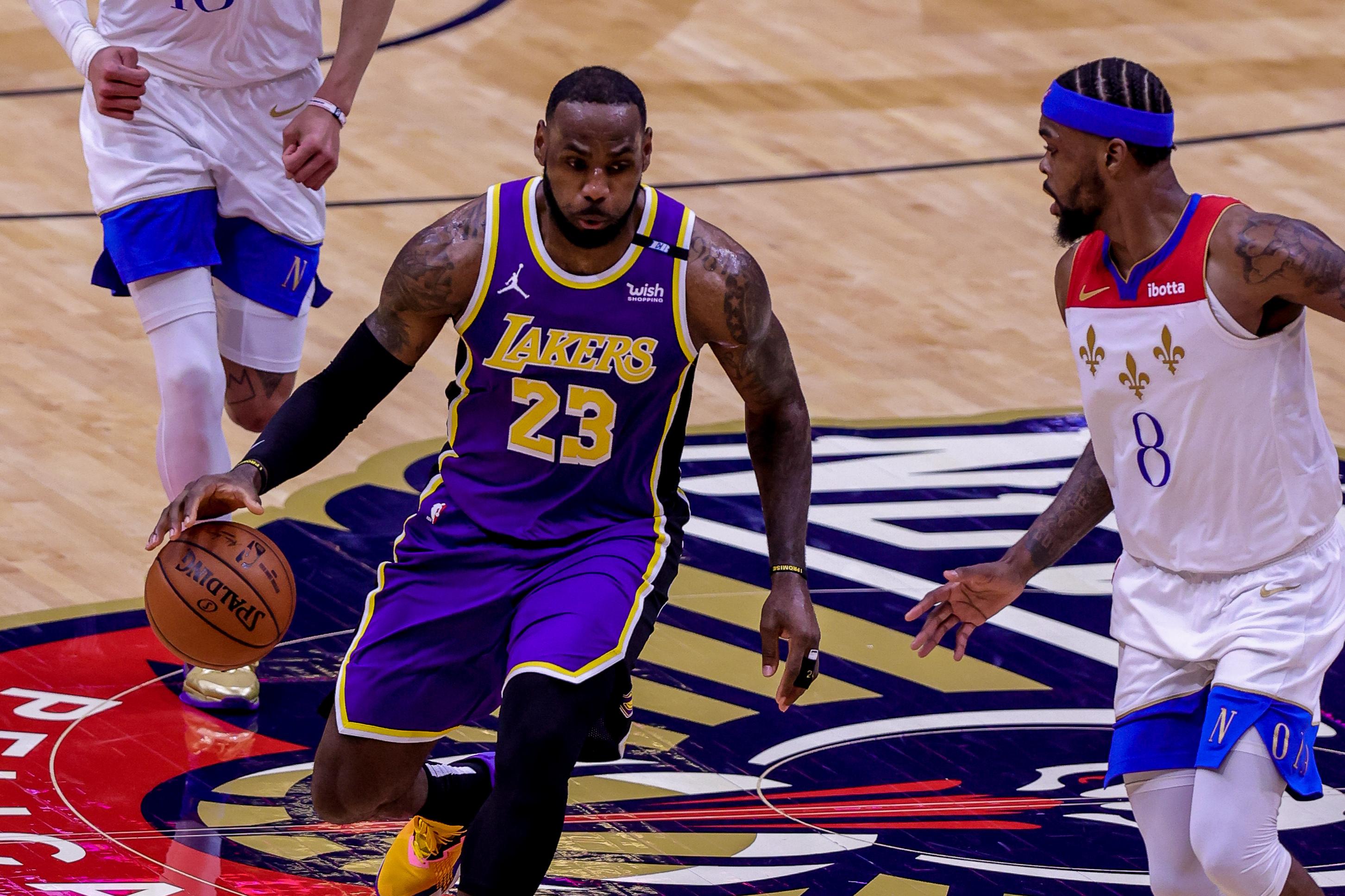 NBA:洛杉矶湖人队对阵新奥尔良鹈鹕队