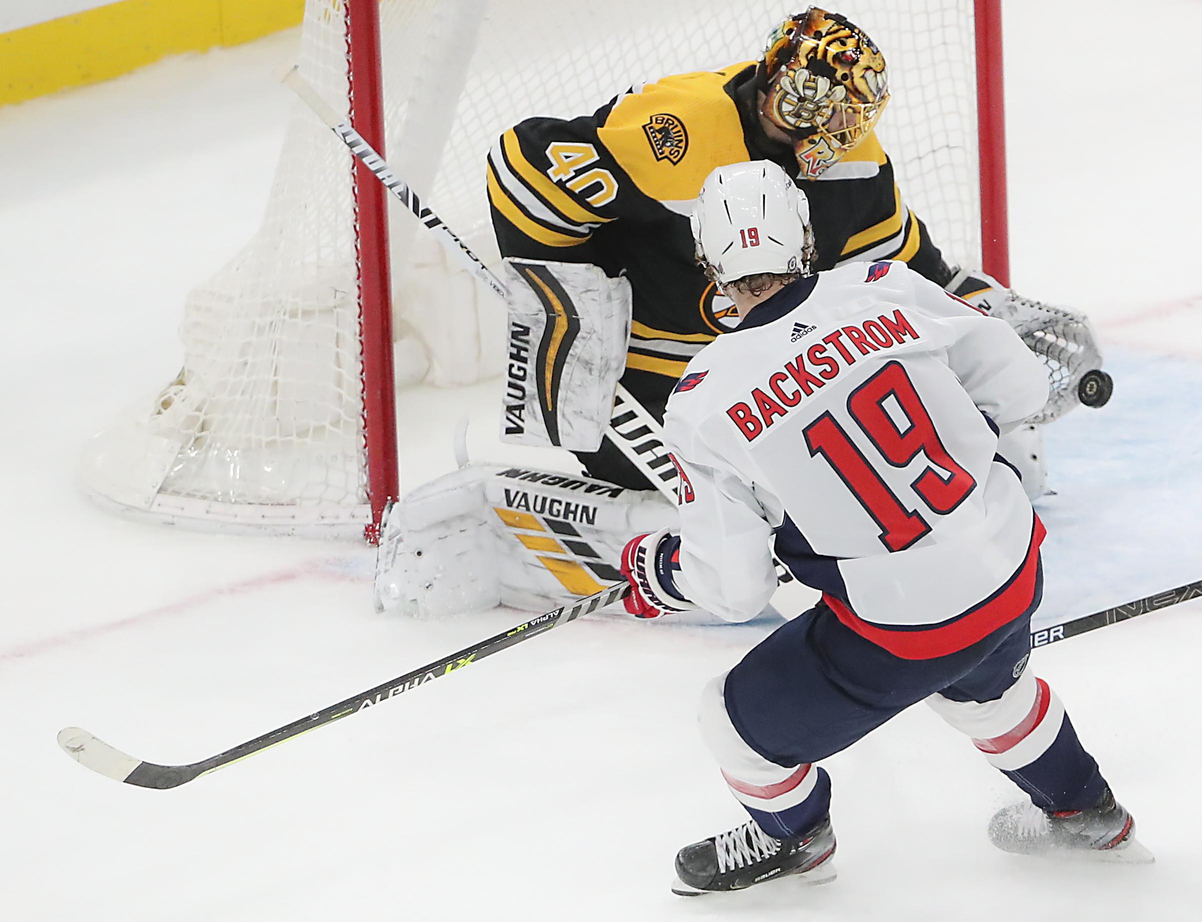 New Jersey Devils Vs Boston Bruins At TD Garden