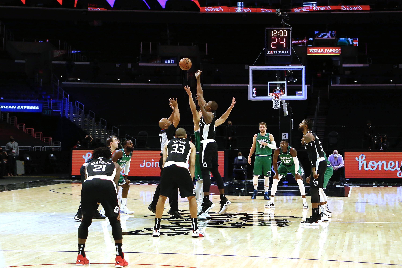 Dallas Mavericks v LA Clippers