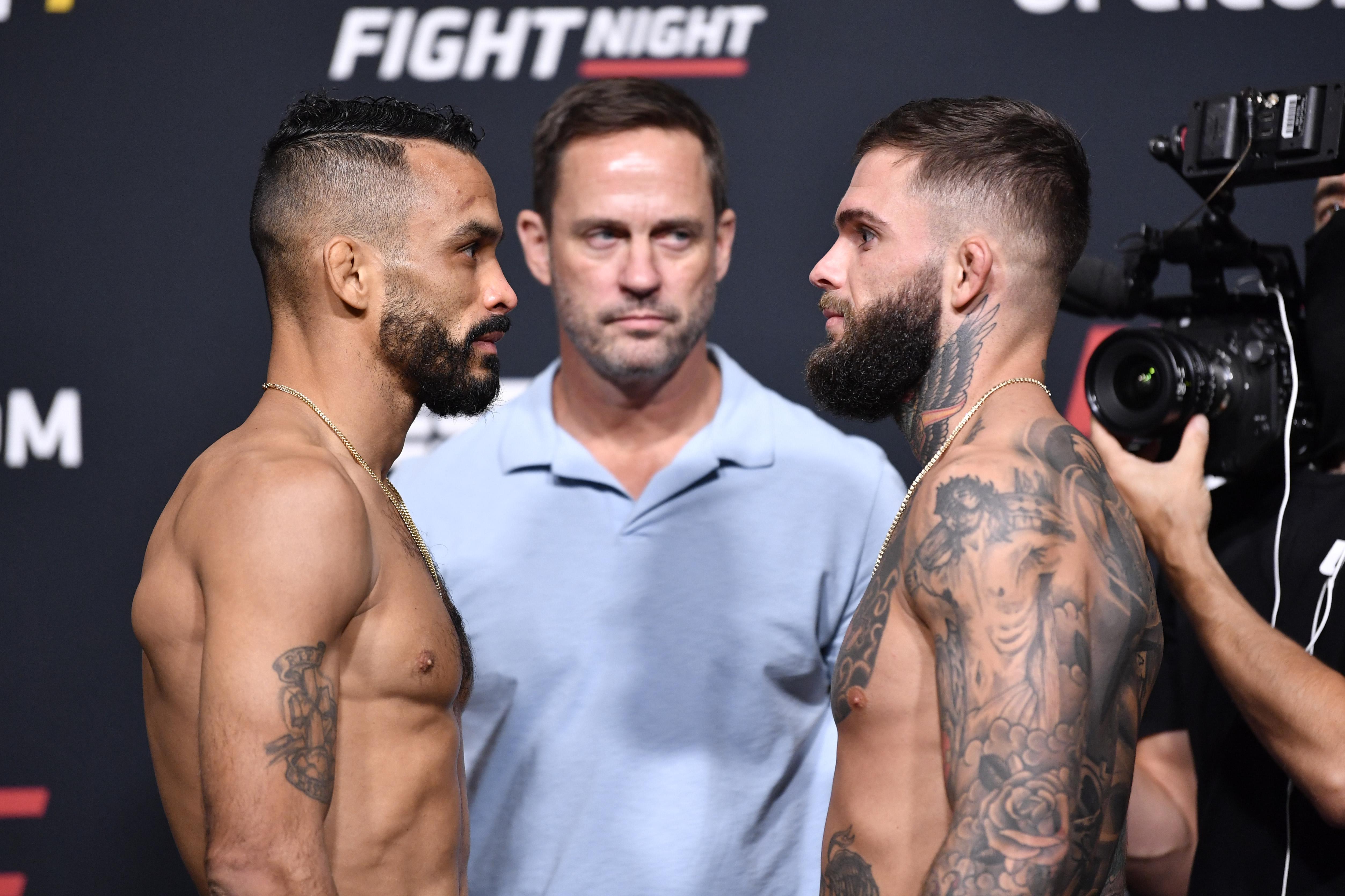 在UFC VEGAS 27的Rob Font和Cody Garbrandt