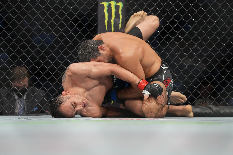 Tony Ferguson vs. Beneil Dariush. MMA: MAY 15 UFC 262