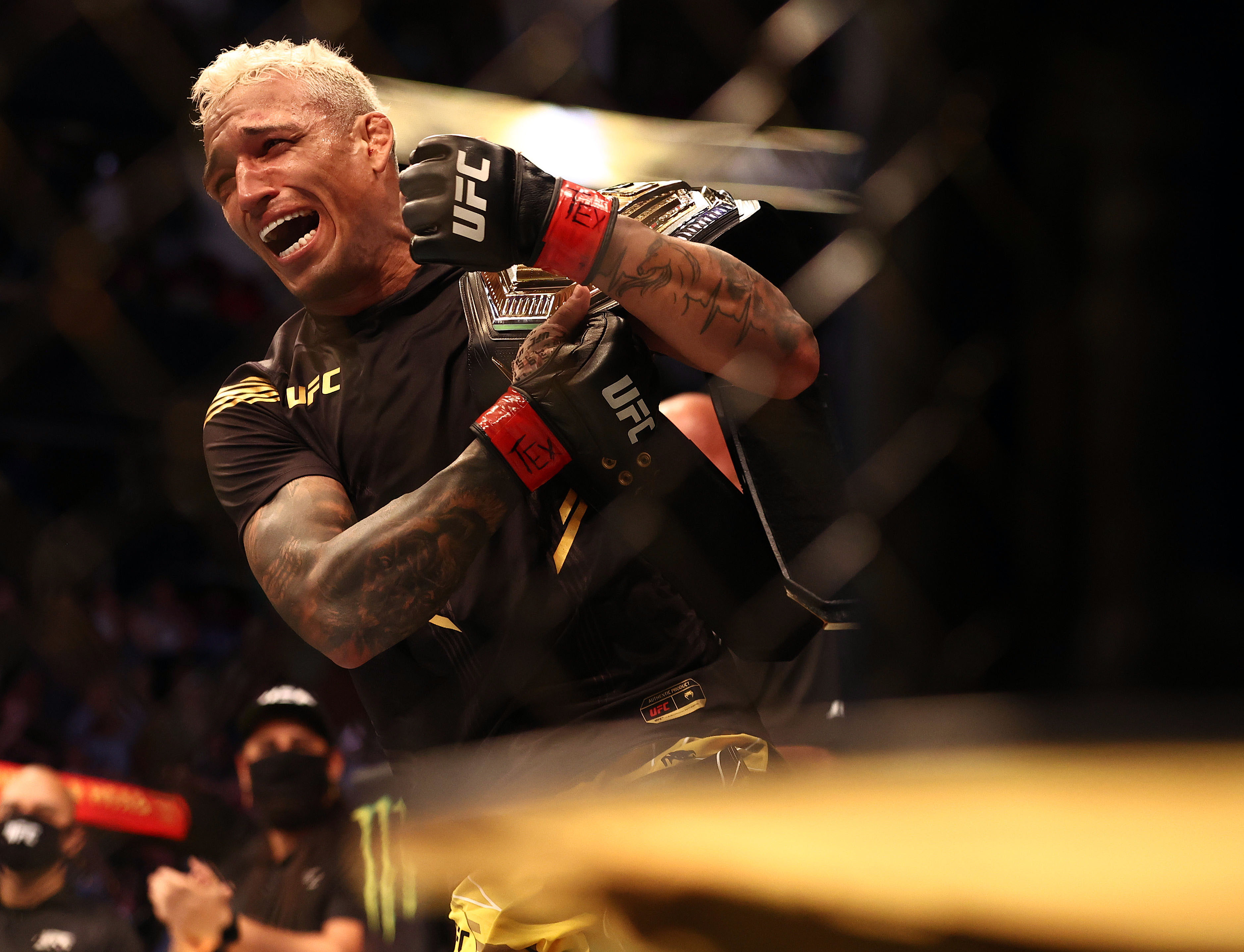 爱游戏app下载的游戏不能玩MMA:UFC 262-Oliveira VS Chandler