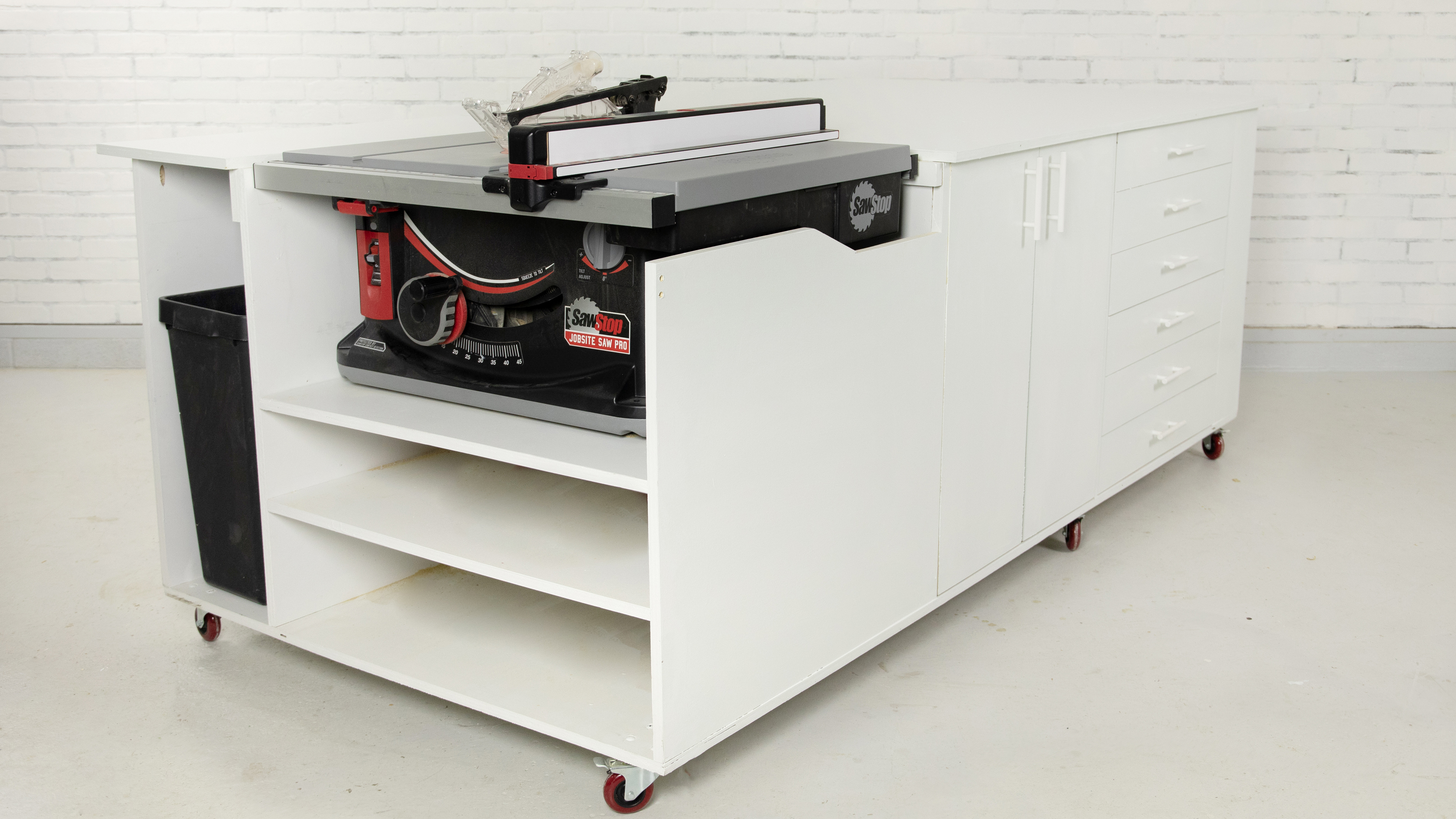 Mobile Workbench with table saw, finished
