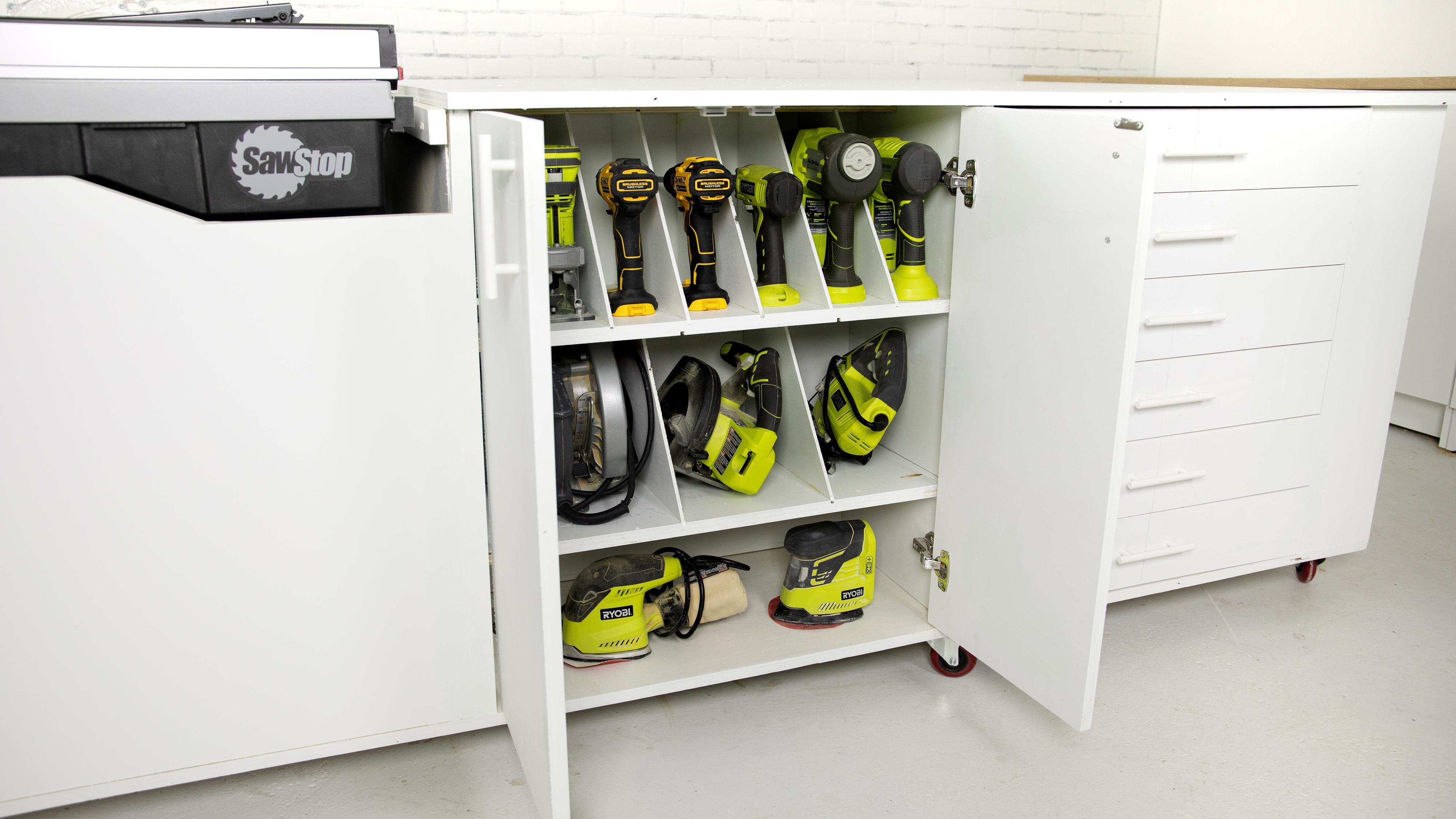 Mobile workbench tool organizer