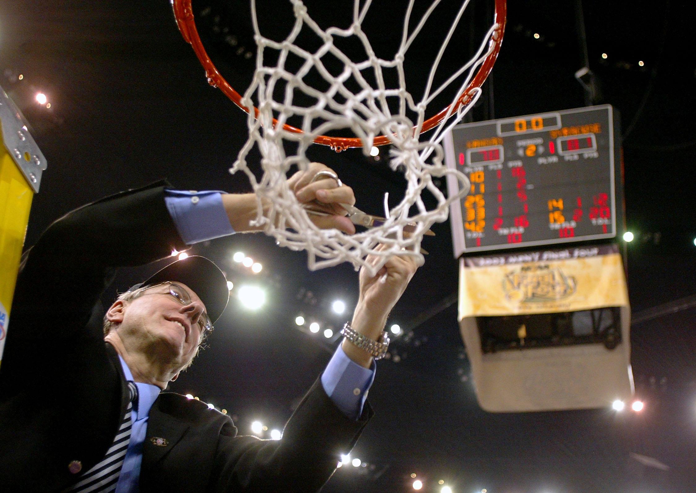 Coach Boeheim cuts down the net