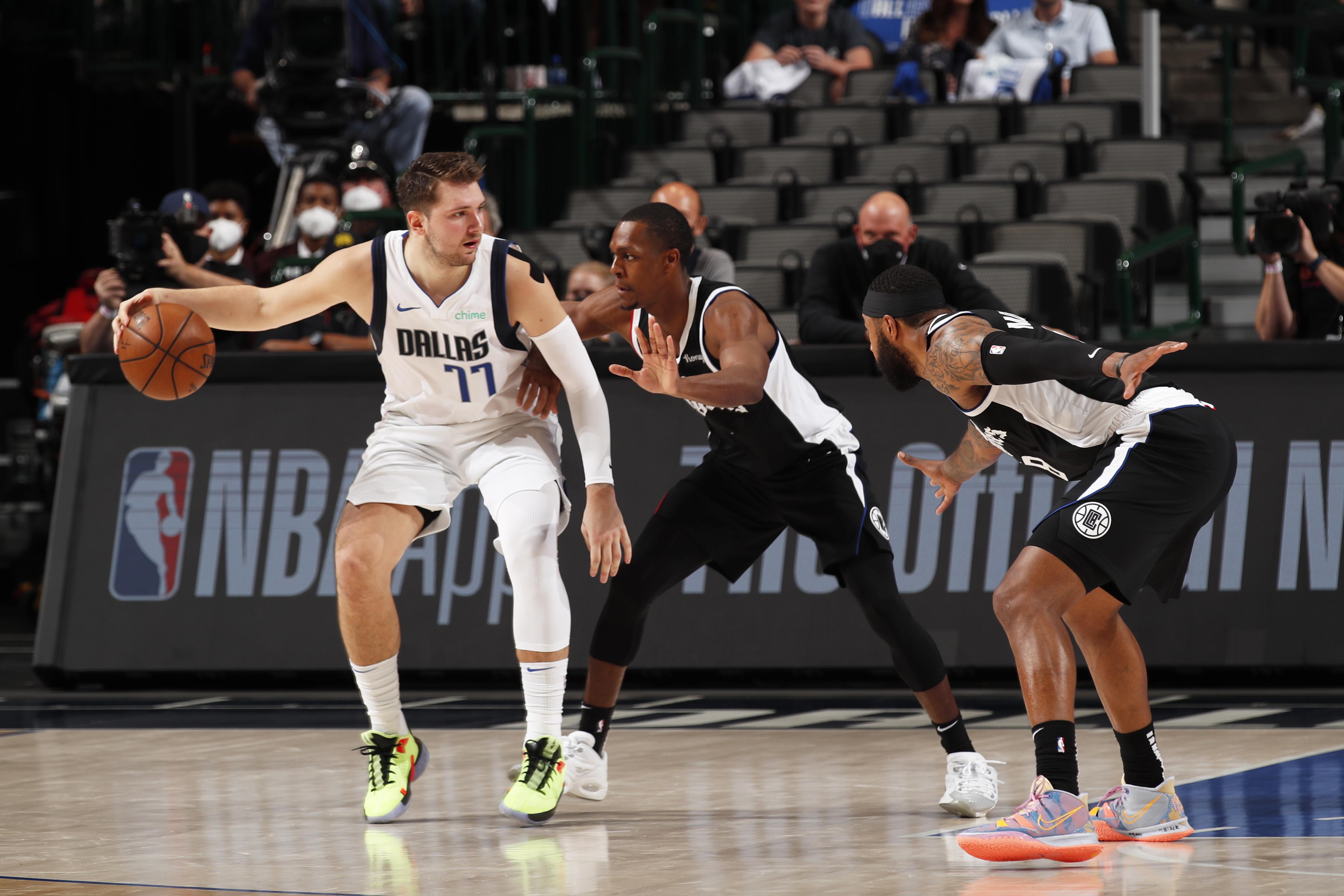 2021年NBA季后赛-快船队对达拉斯小牛队