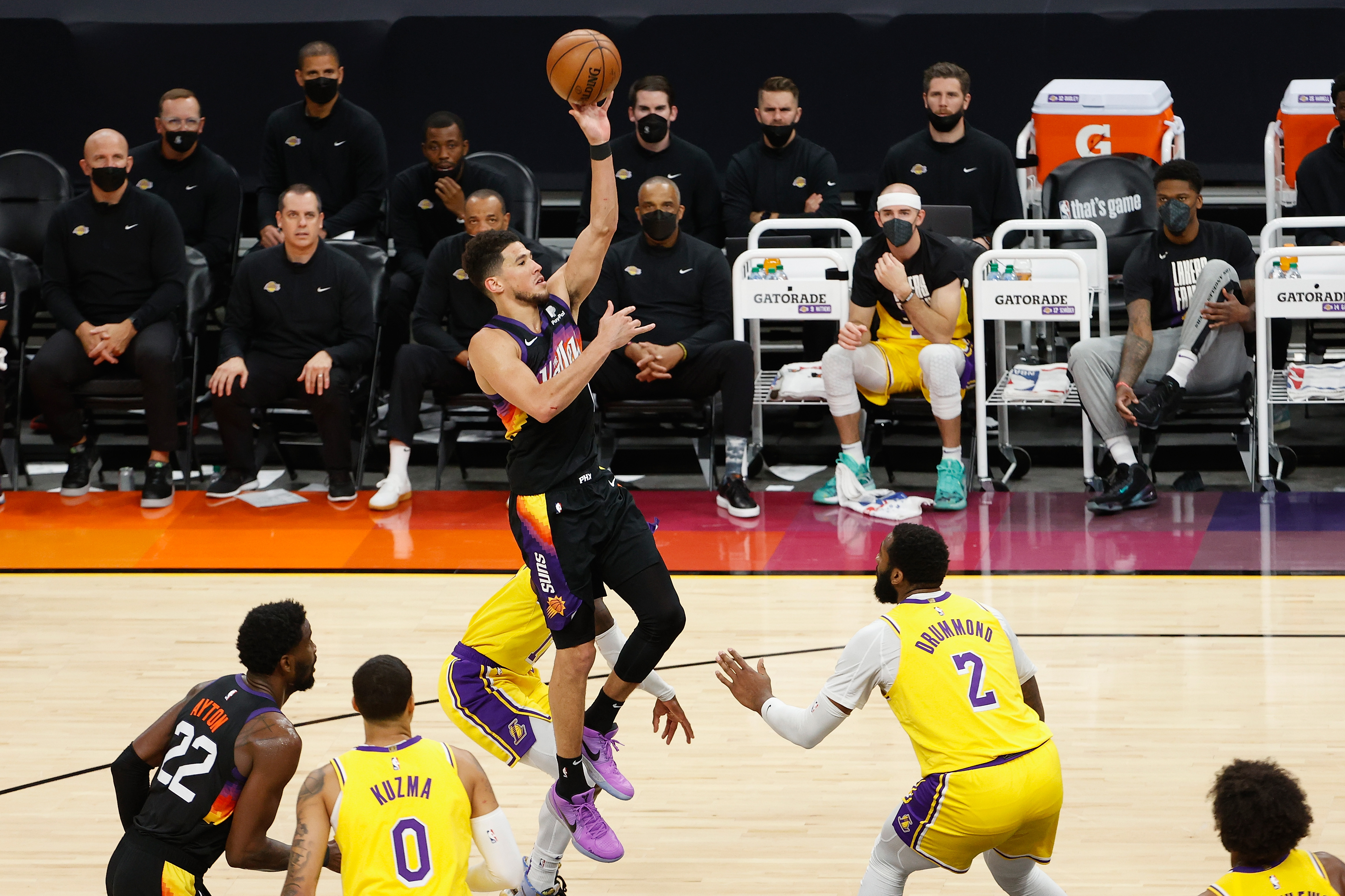 Los Angeles Lakers v Phoenix Suns - Game Five