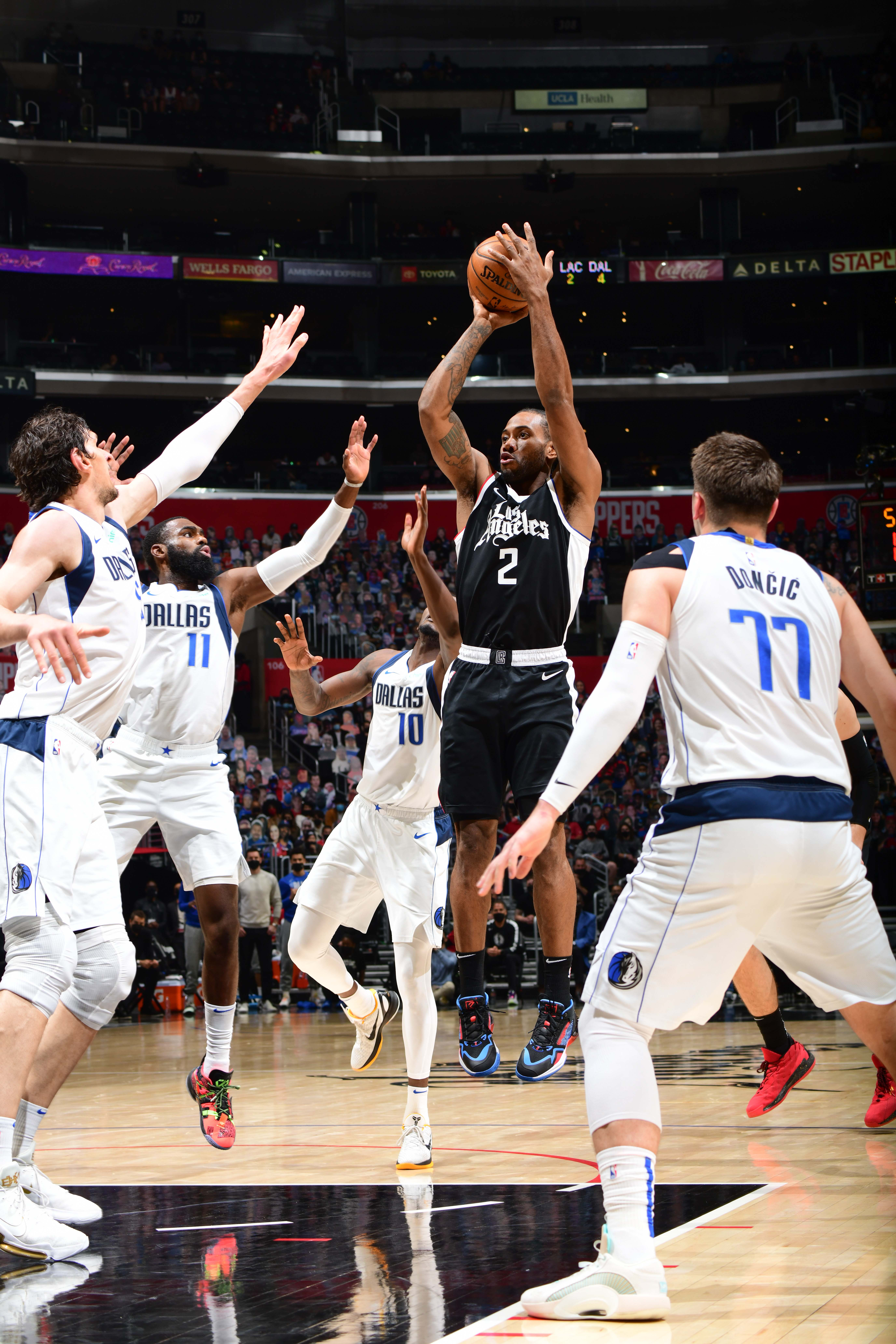 Kawhi Leonard #2 of the LA Clippers shoots the ball during the game against the Dallas Mavericks during Round 1, Game 5 of the 2021 NBA Playoffs on June 2, 2021 at STAPLES Center in Los Angeles, California.