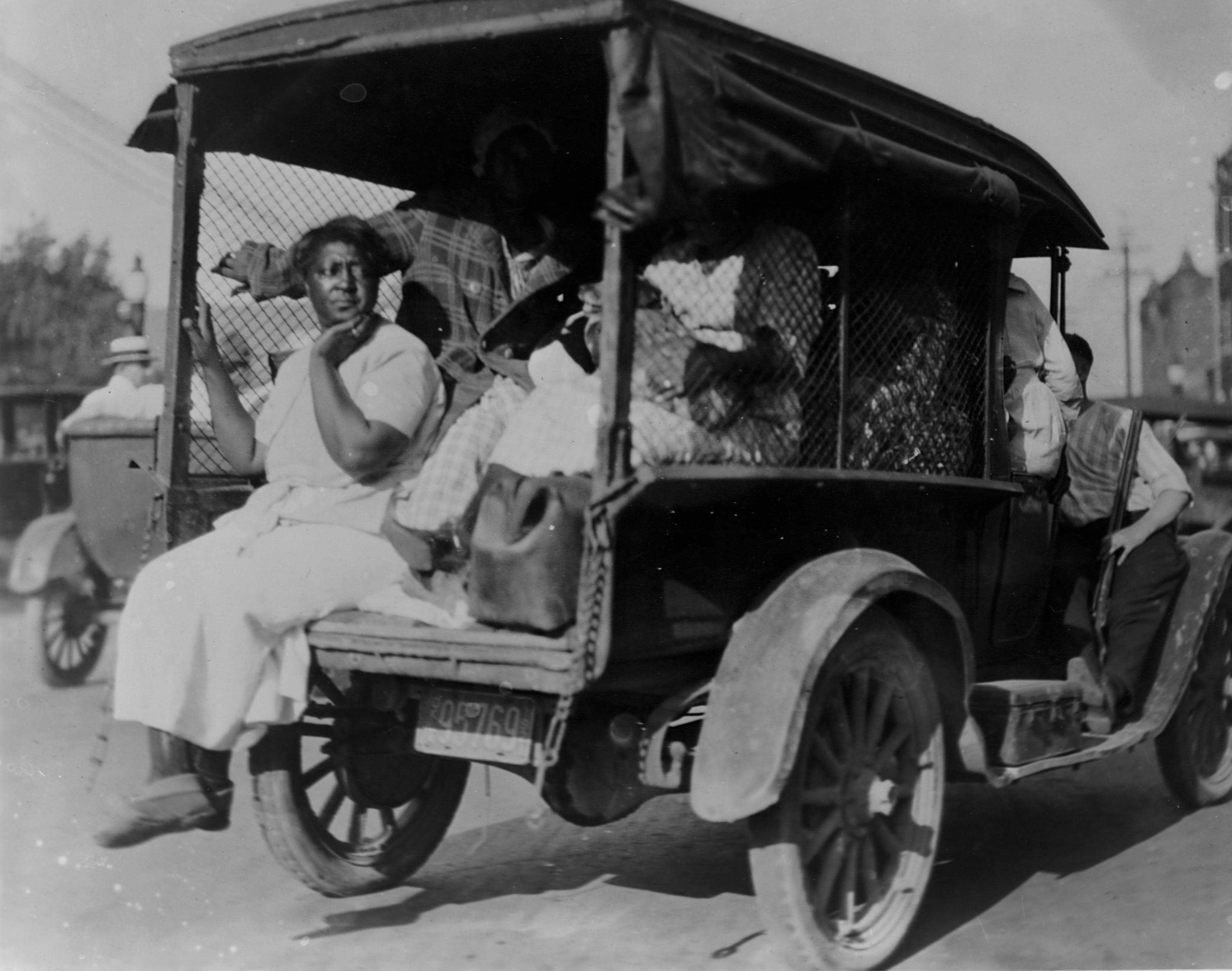 1921年塔尔萨种族大屠杀中的女人