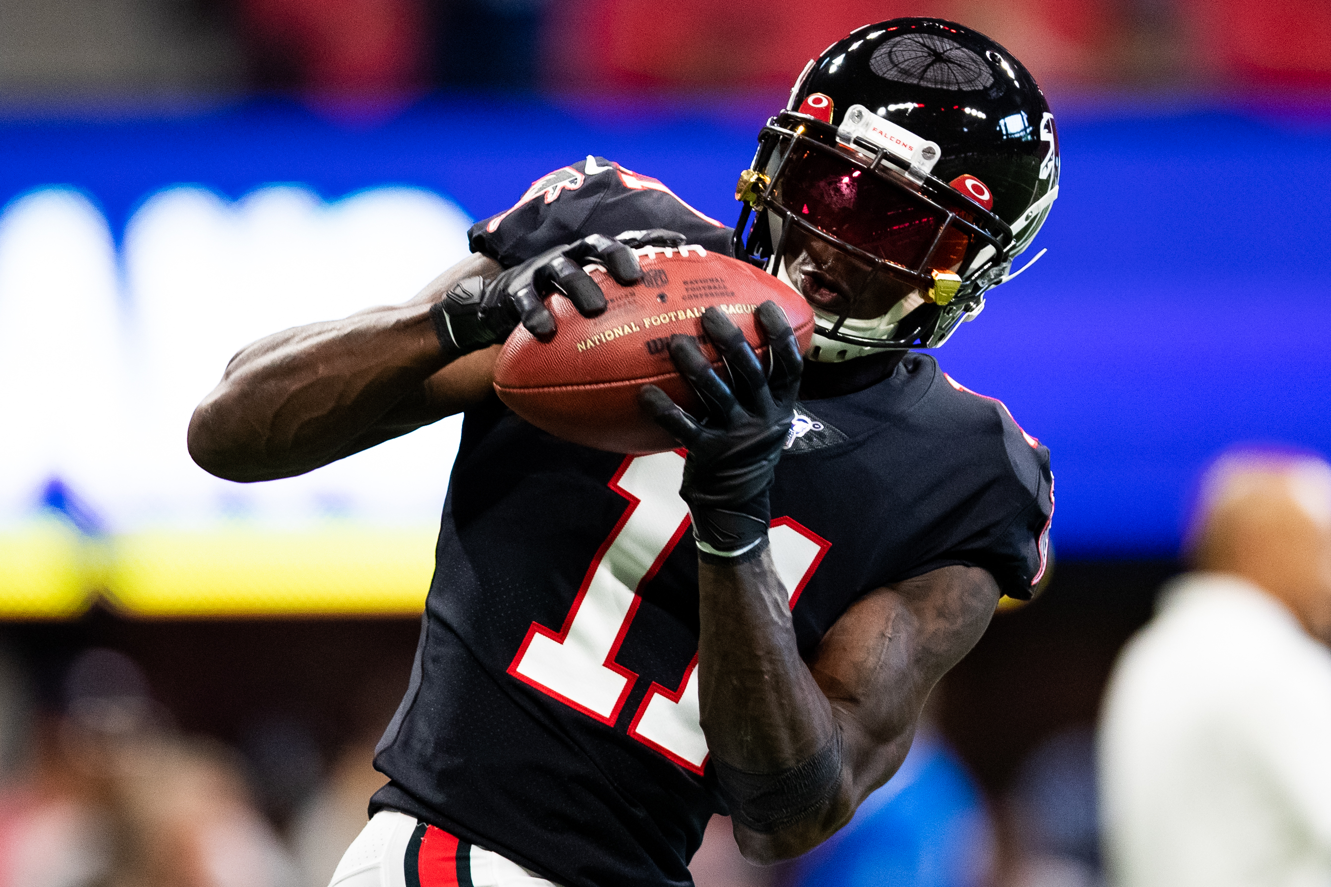 Julio Jones #11 of the Atlanta Falcons catches a pass during warm ups prior to the game against the Tennessee Titans at Mercedes-Benz Stadium on September 29, 2019 in Atlanta, Georgia.