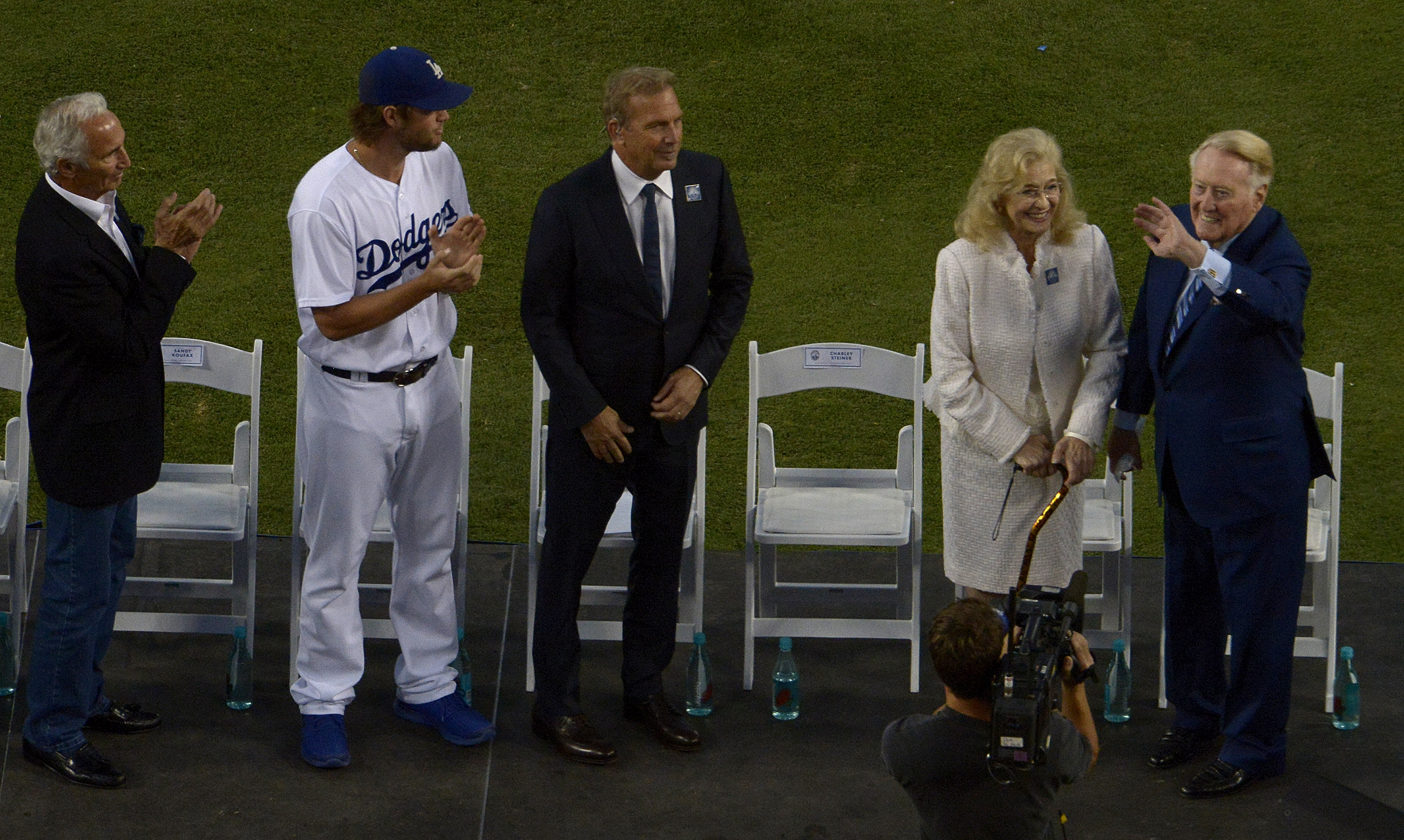 Sandi Scully wife of Hall of Fame and former Los Angeles Dodgers broadcaster Vin Scully passed away at age of 76 due to ALS.