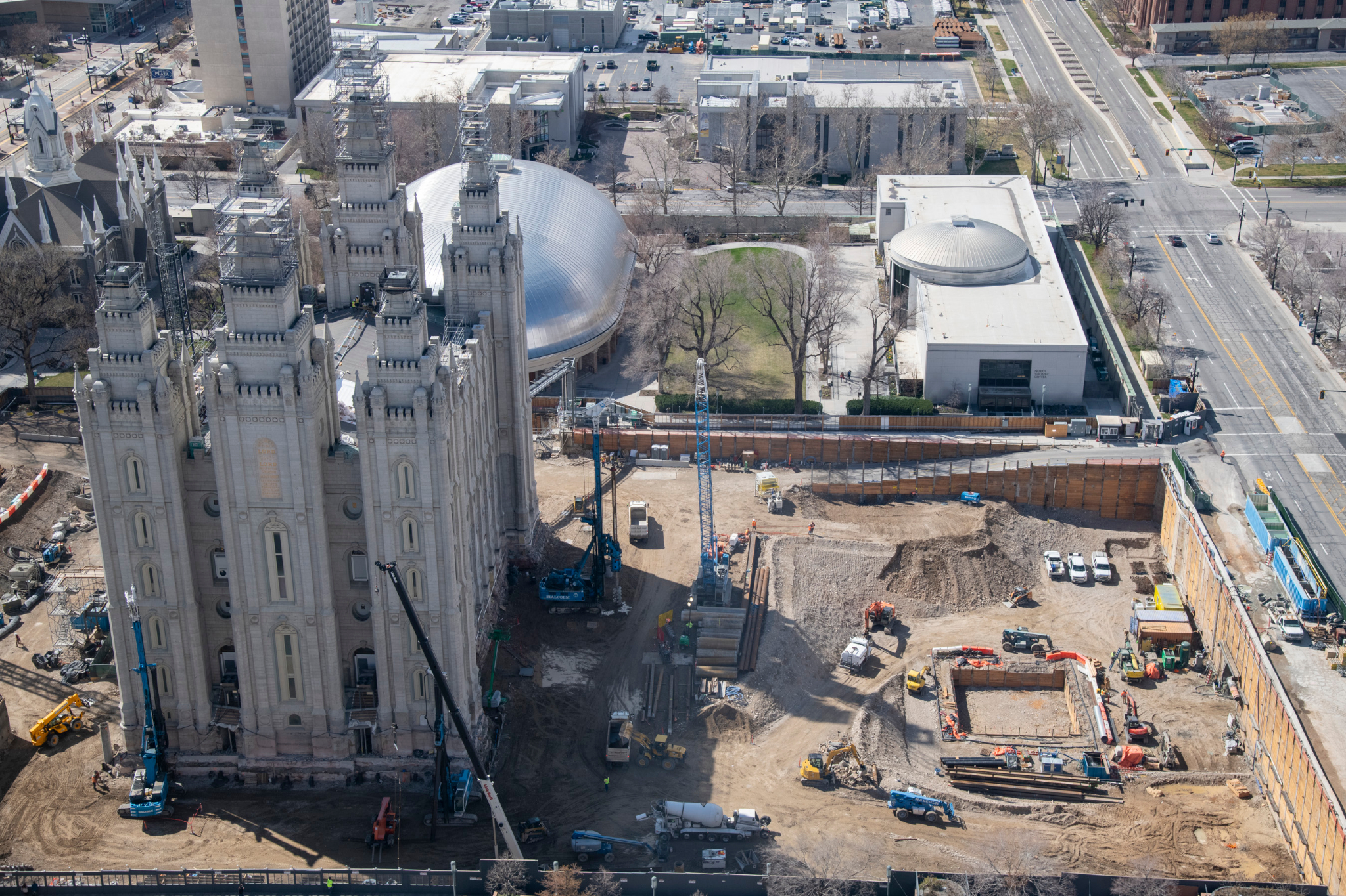 Crews are in the middle of a major renovation project at Temple Square.