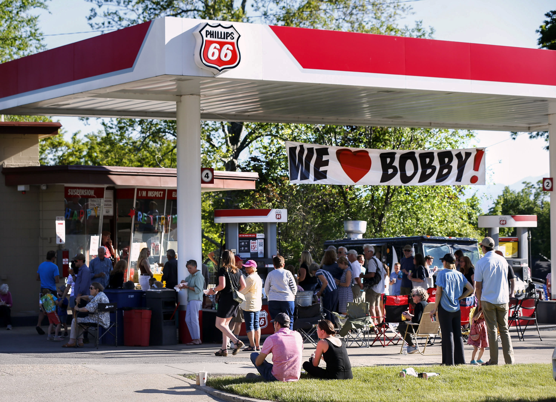 Mechanic Bobby Rose gets a fond farewell.