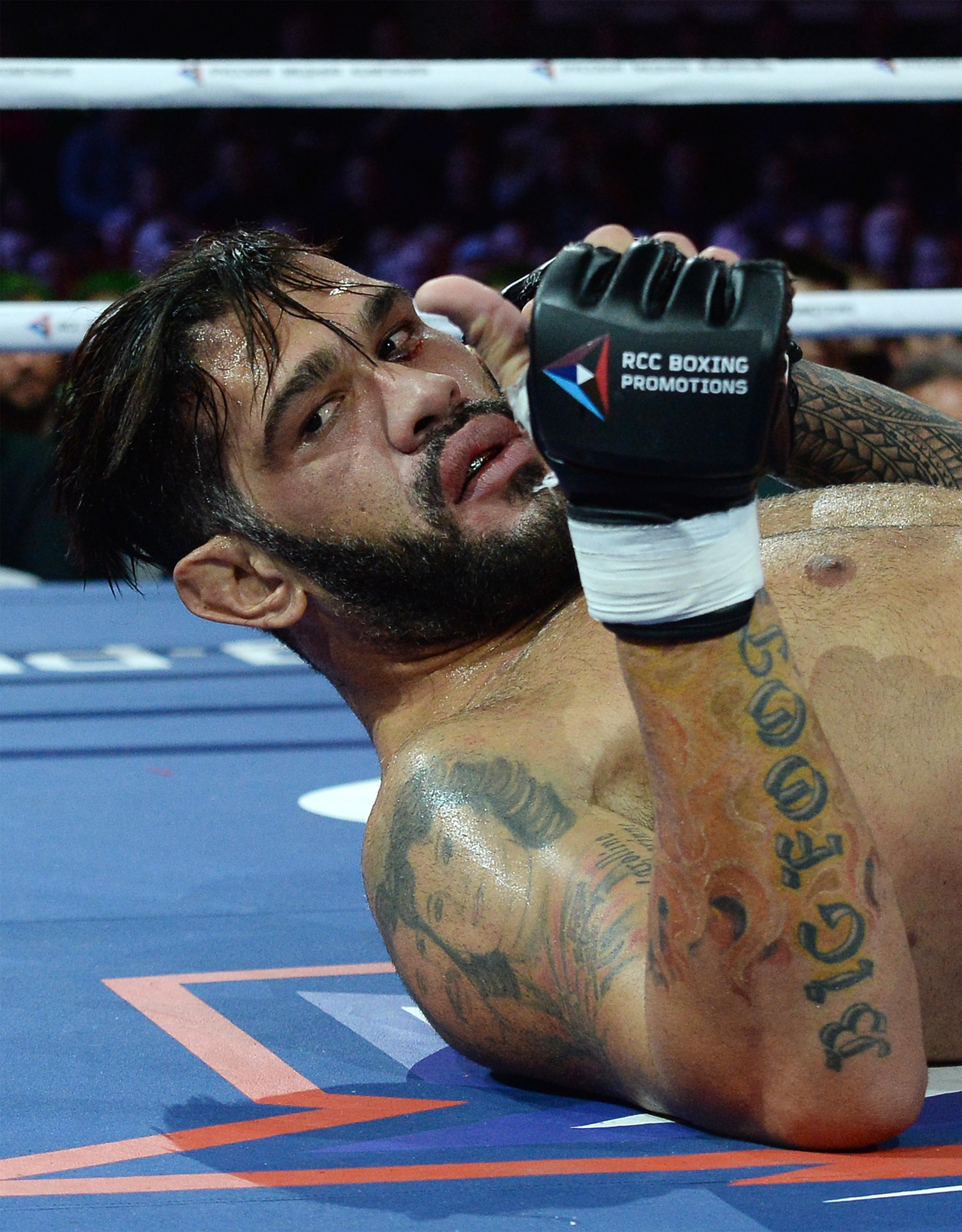 Russian MMA fighter Ivan Shtyrkov defeats Antonio Silva in fight in Yekaterinburg