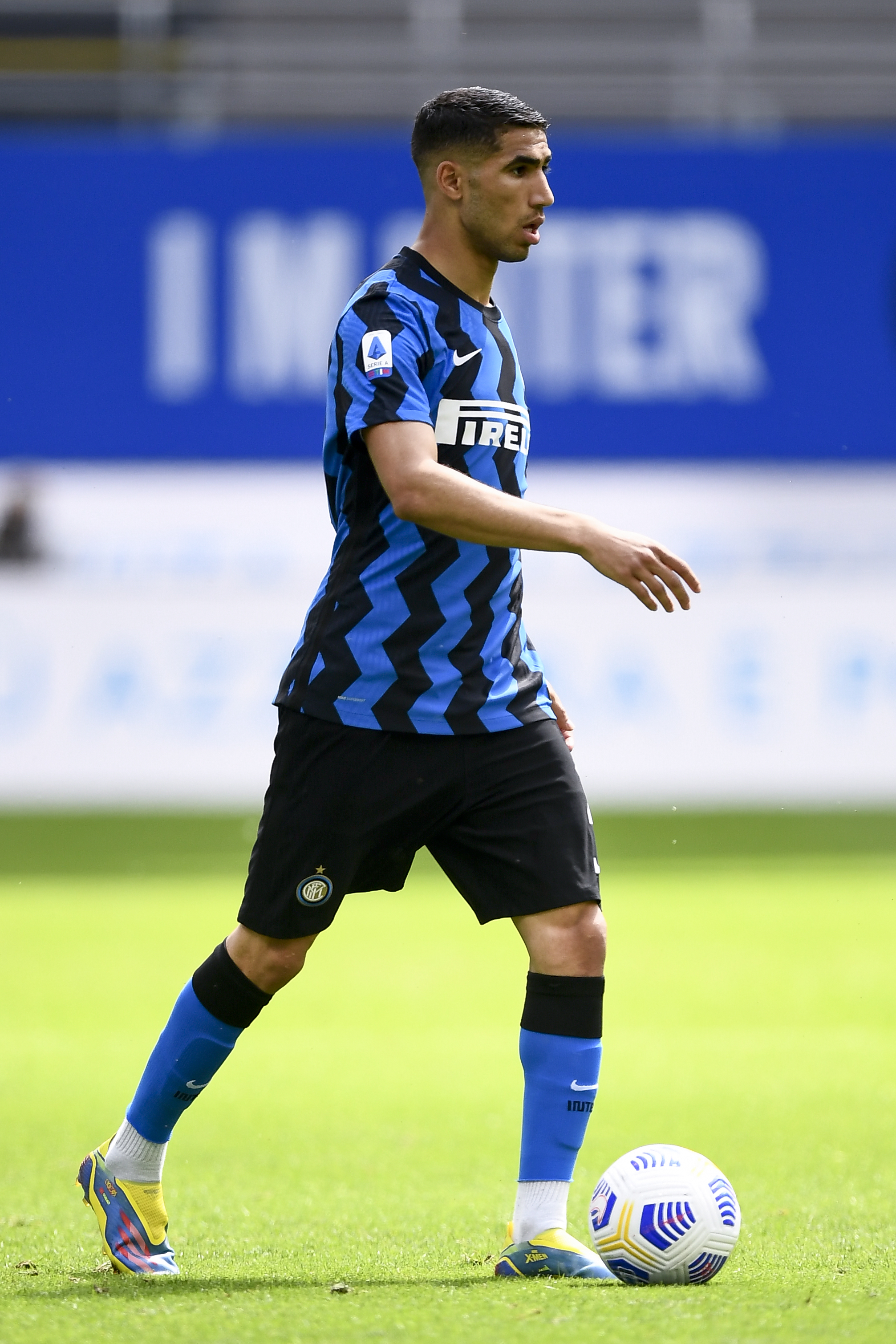 Achraf Hakimi of FC Internazionale in action during the...