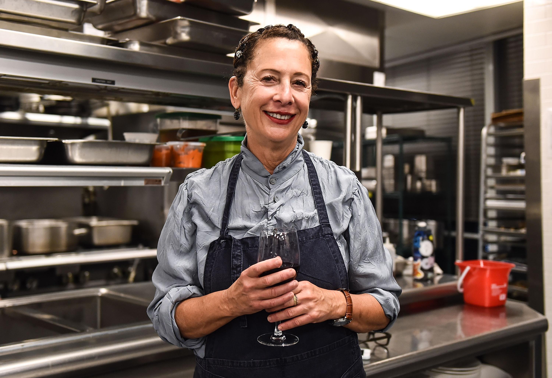 美食网,烹饪频道纽约葡萄酒& &;由可口可乐主办的美食节——与加布里埃尔·汉密尔顿、南希·西弗顿和多米尼克·克朗共进晚餐,这是《华尔街日报》主办的美国银行晚宴系列的一部分