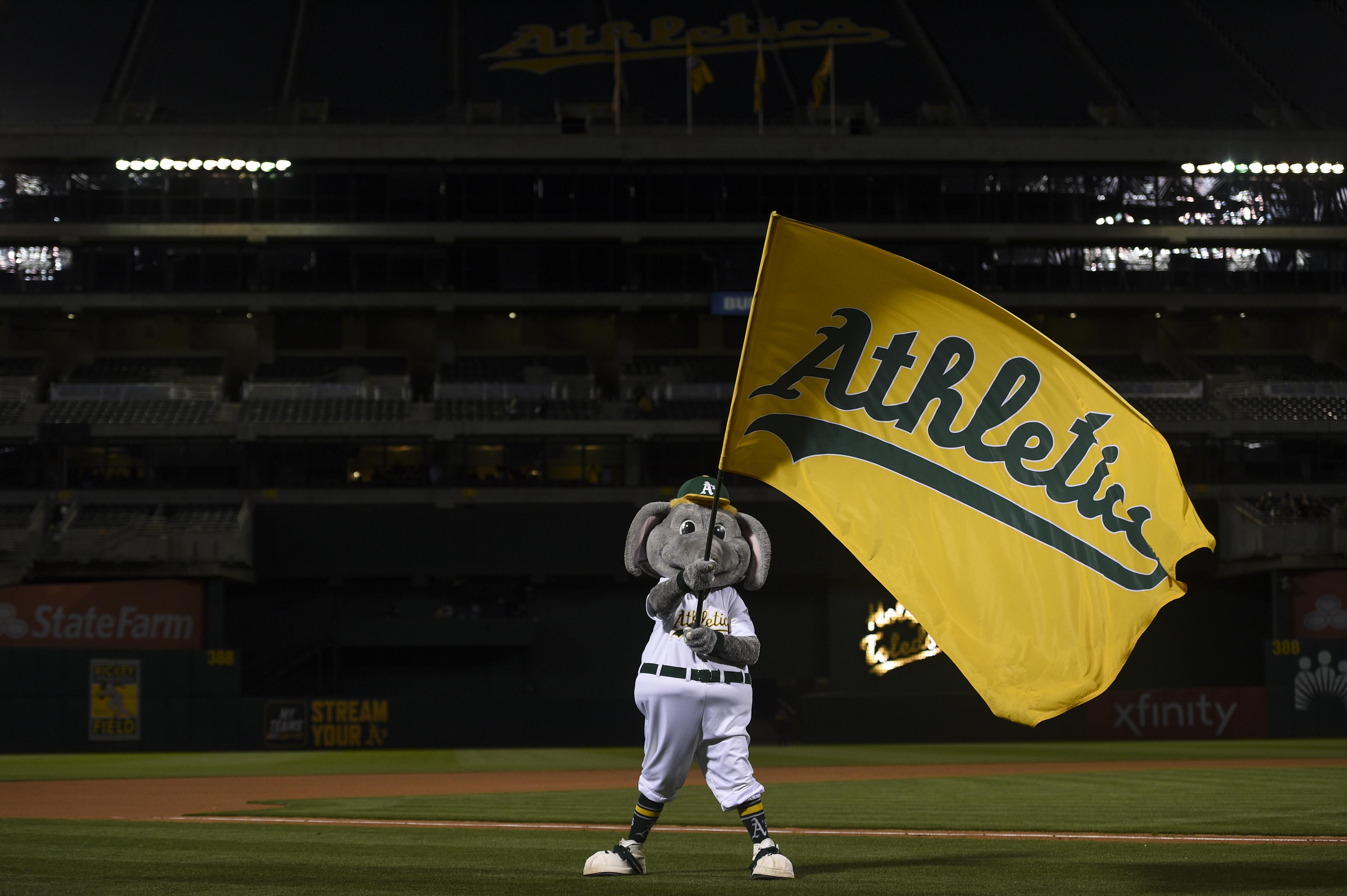 MLB: APR 17 Astros at Athletics