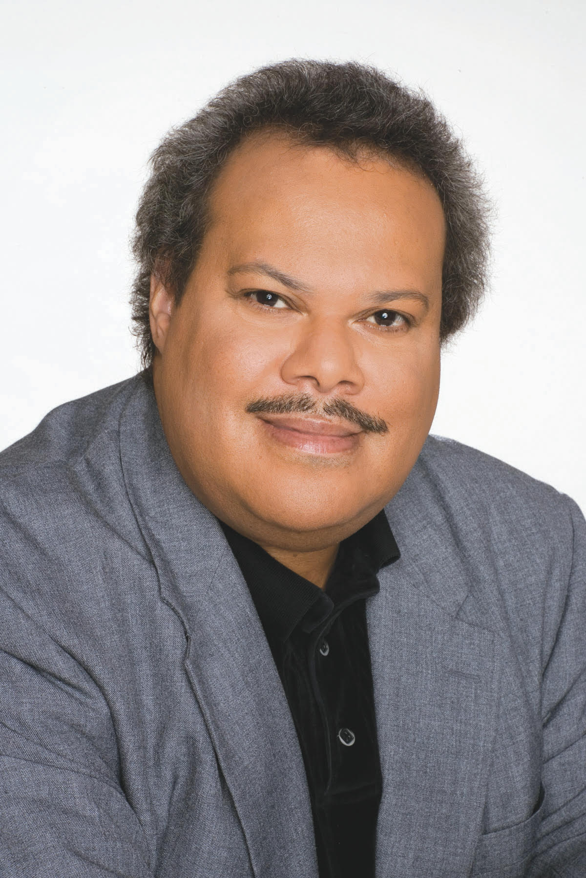 Chicago journalist David Smallwood, who co-authored and edited several books on Black historic icons, and whose prolific career spanned the pioneering journalist Lu Palmer's newspaper, to N'digo magapaper, where he was the editor for more than 30 years, died June 11 from complications of cancer and COVID-19.