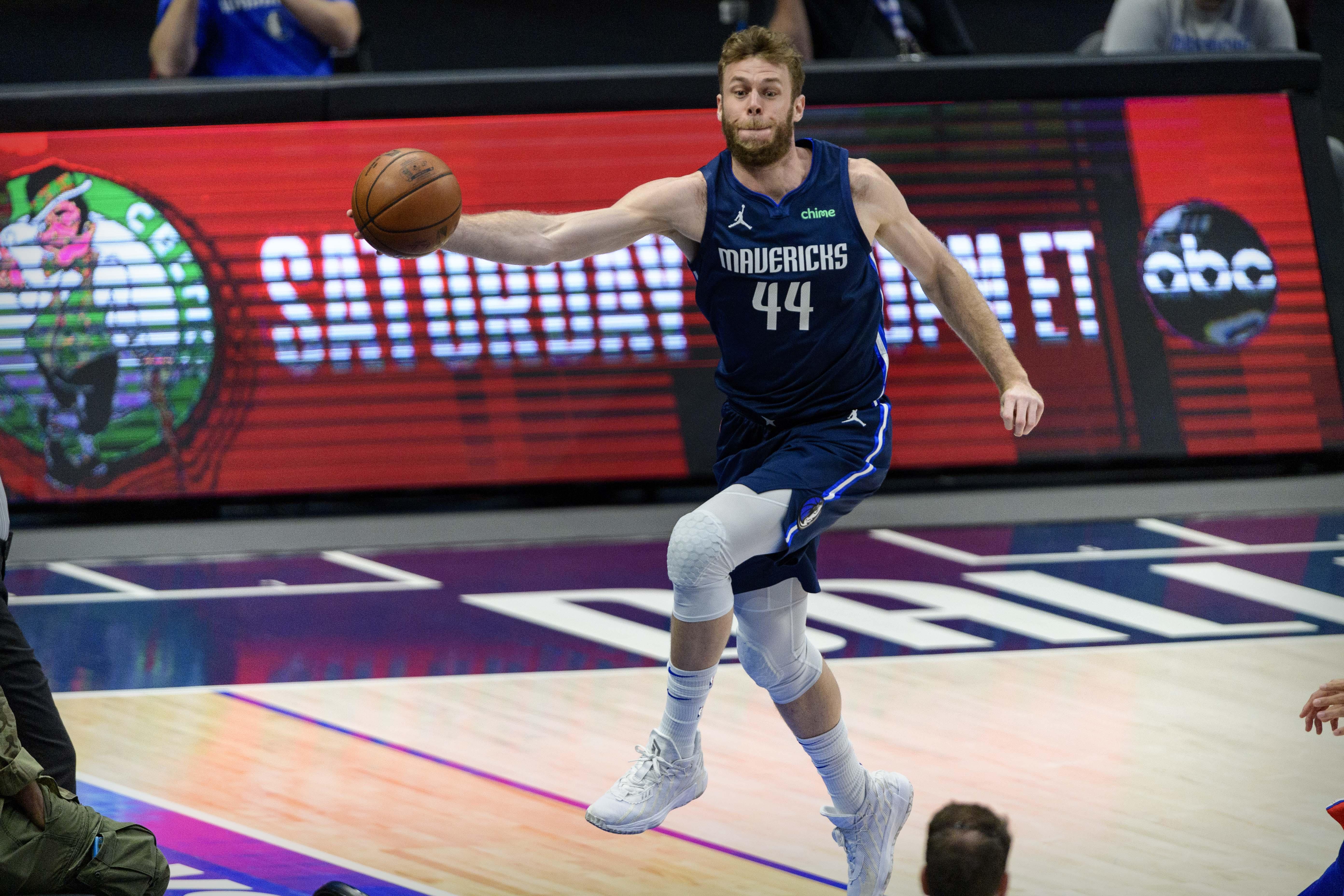 NBA: Philadelphia 76ers at Dallas Mavericks