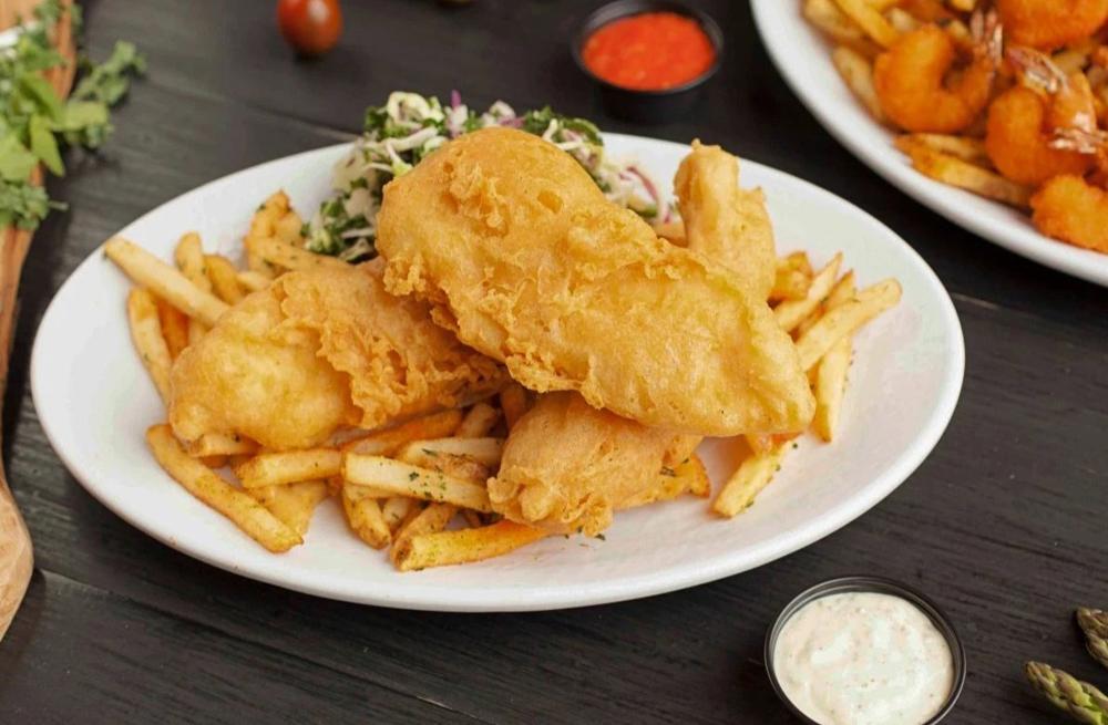 炸鱼薯条,加州鱼扒菜单上最受欢迎的项目之一。