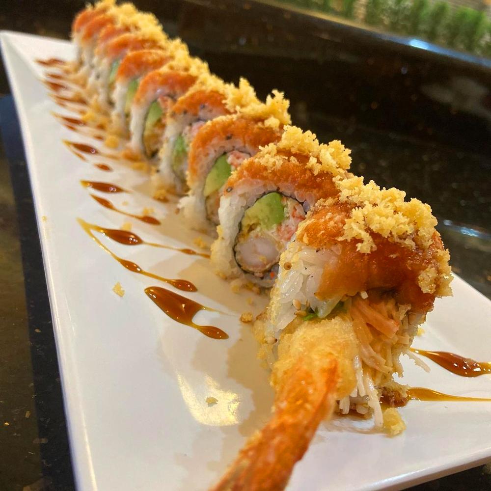 一盘寿司卷在新的日本墨西哥融合餐厅,路易路易寿司吧y Más。