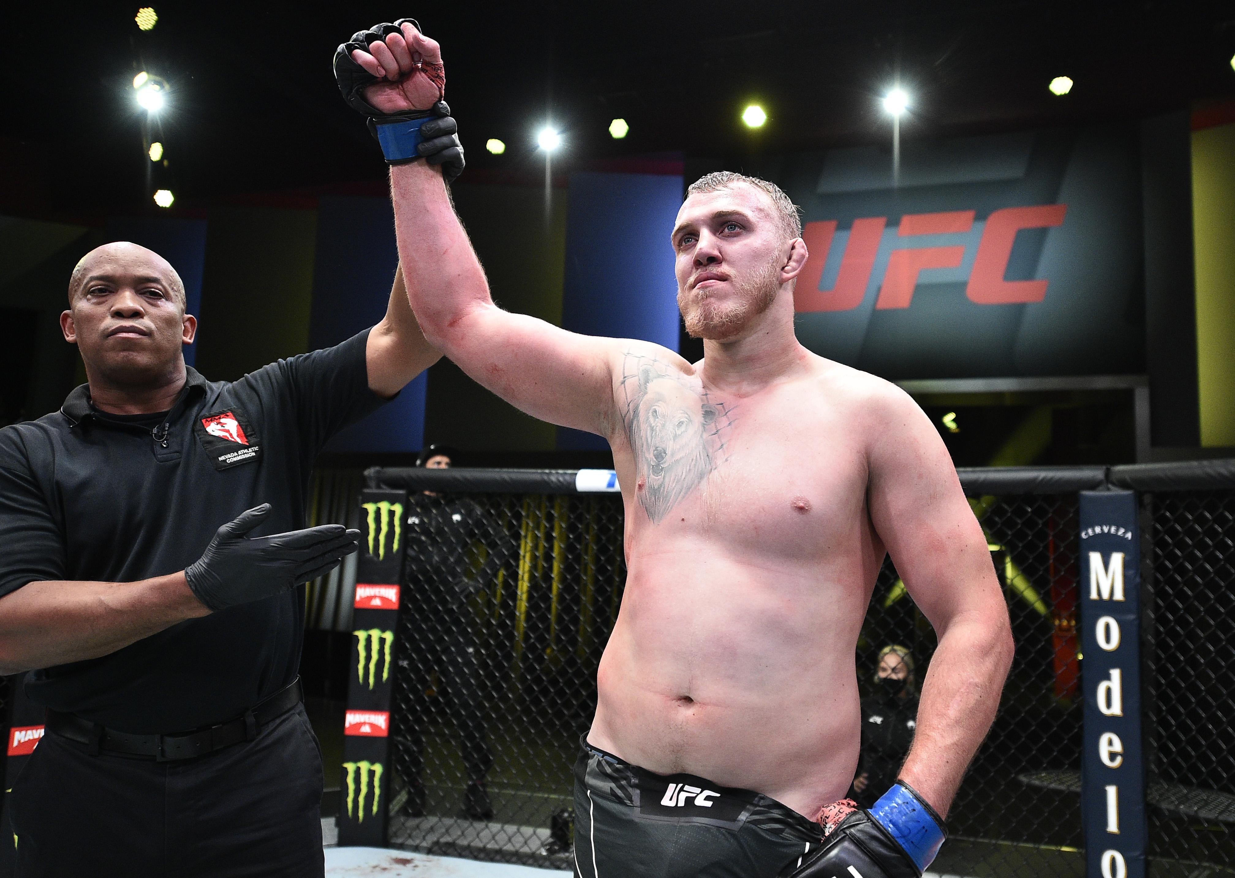 UFC Fight Night: Oleinik v Spivac