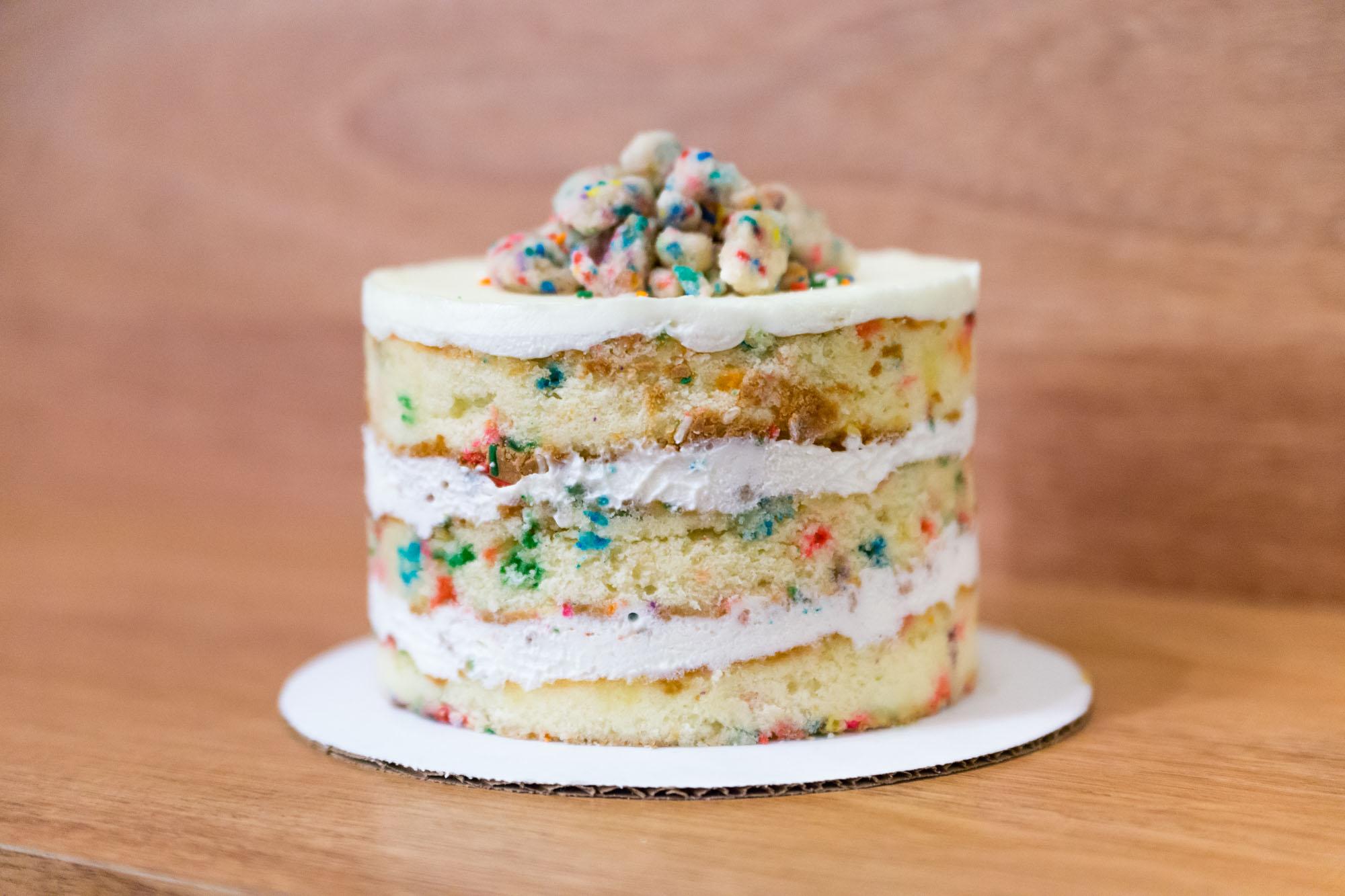 牛奶吧的生日蛋糕