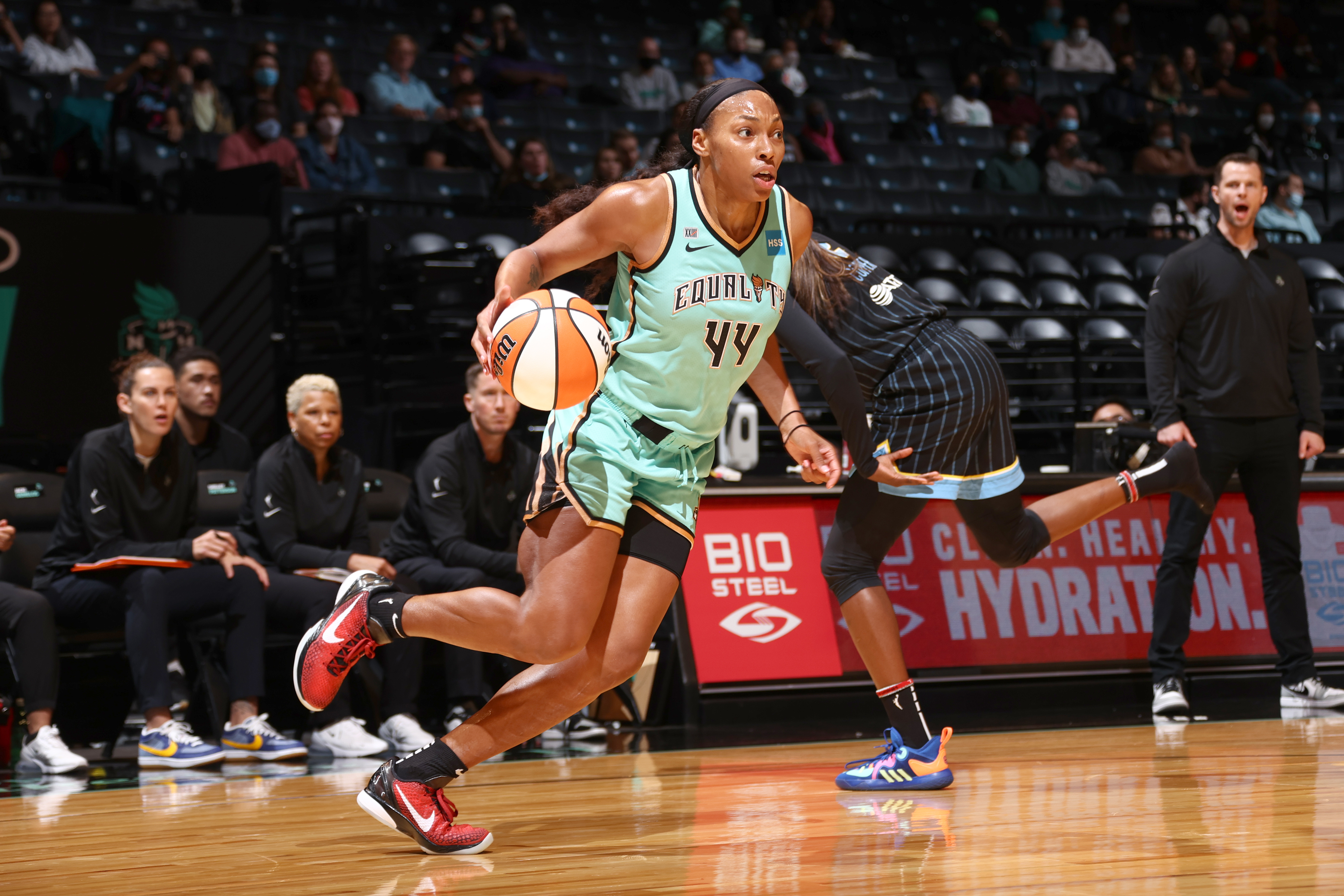 Betnijah Laney #44 of the New York Liberty dribbles the ball against the Chicago Sky on June 22, 2021 at Barclays Center in New York, NY.