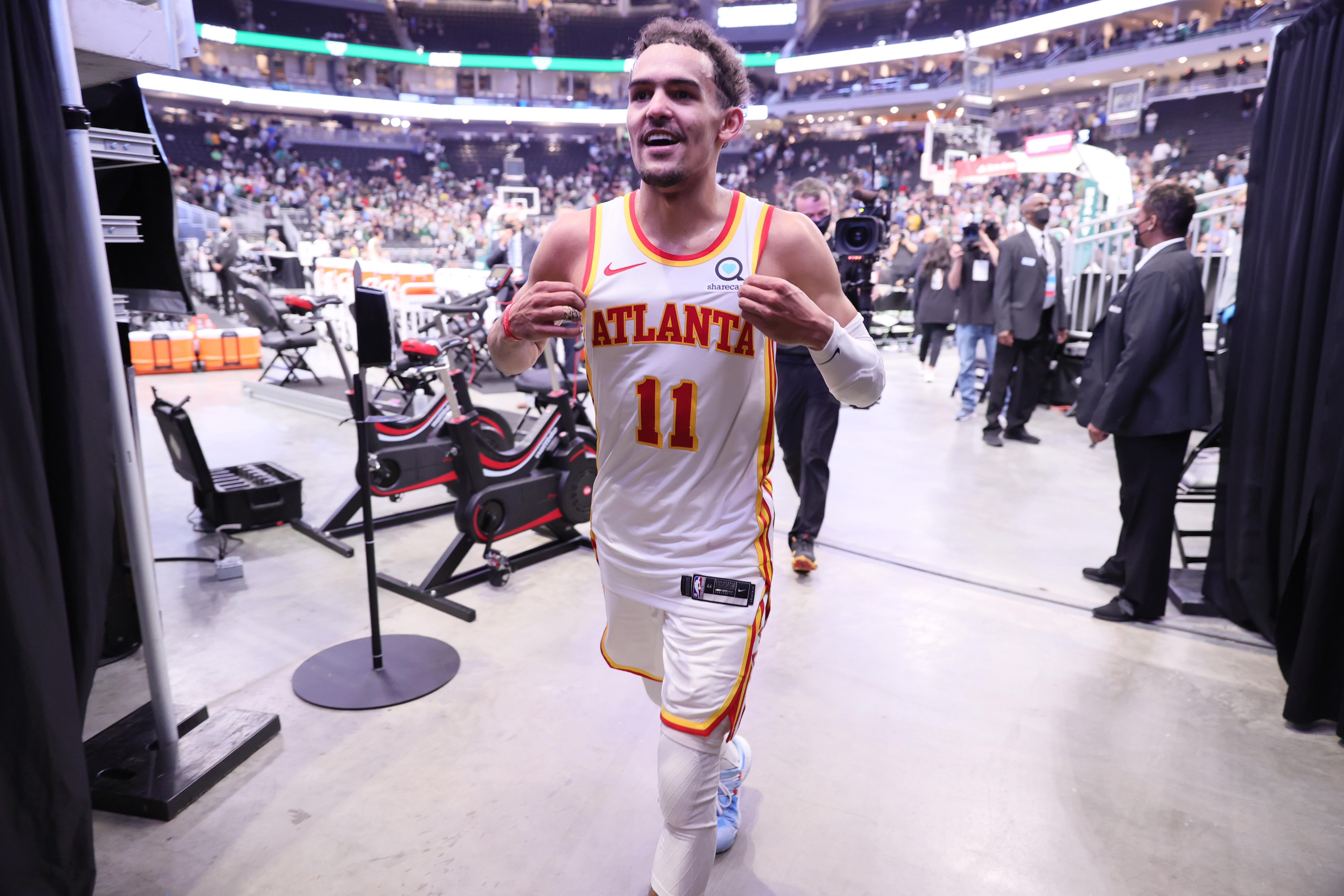 2021年NBA季后赛-亚特兰大老鹰队对密尔沃基雄鹿队